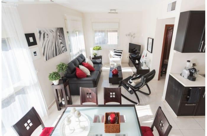 Apartment in Ben Yehuda Duplex, Central Beach Area - 1