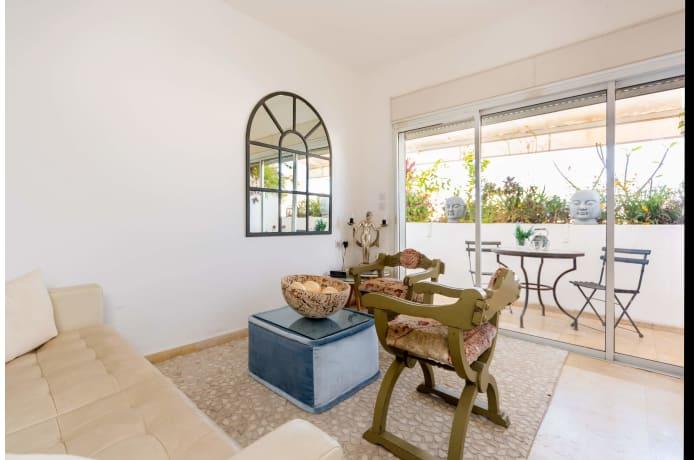 Apartment in Dizengoff Retreat, Central Beach Area - 2