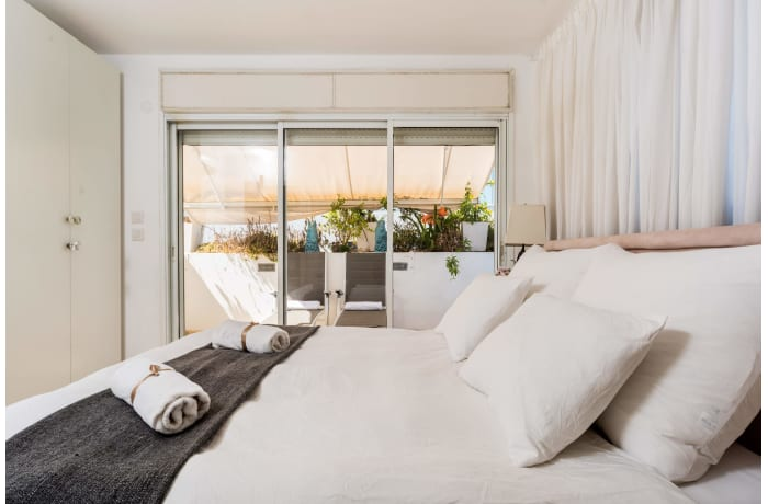 Apartment in Dizengoff Retreat, Central Beach Area - 17