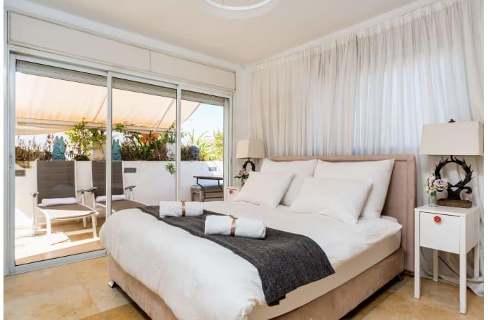 Apartment in Dizengoff Retreat, Central Beach Area - 16