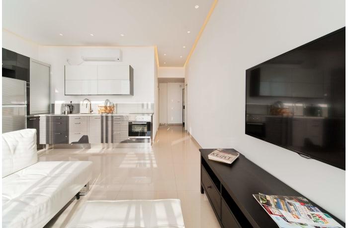 Apartment in Hayarkon Shore, Central Beach Area - 3