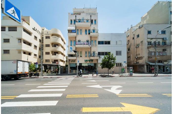 Apartment in Ben Yehuda Beachfront, North Beach Area - 9