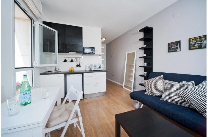 Apartment in Ben Yehuda Beachfront, North Beach Area - 3
