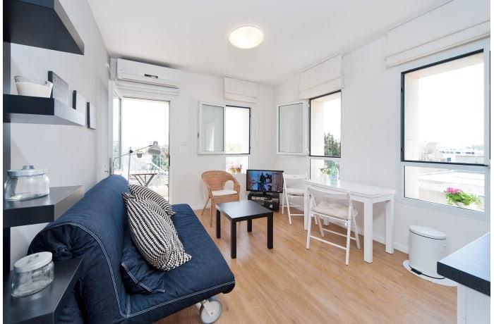 Apartment in Ben Yehuda Beachfront, North Beach Area - 1