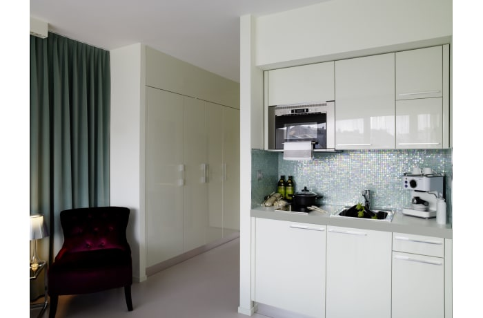 Apartment in Caroline Designer Studio III, Le Flon - 6
