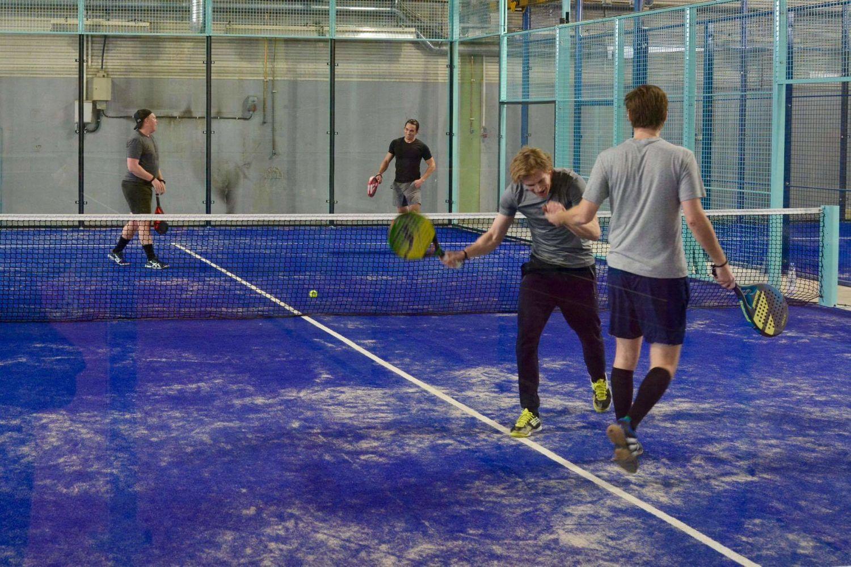 spela tennis nacka