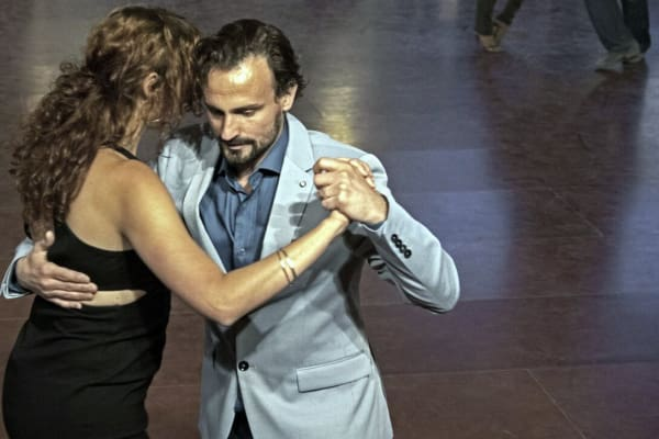 Tangokurser i Stockholm - Swiftr partner