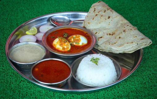 Non veg restaurants near hadapsar pune