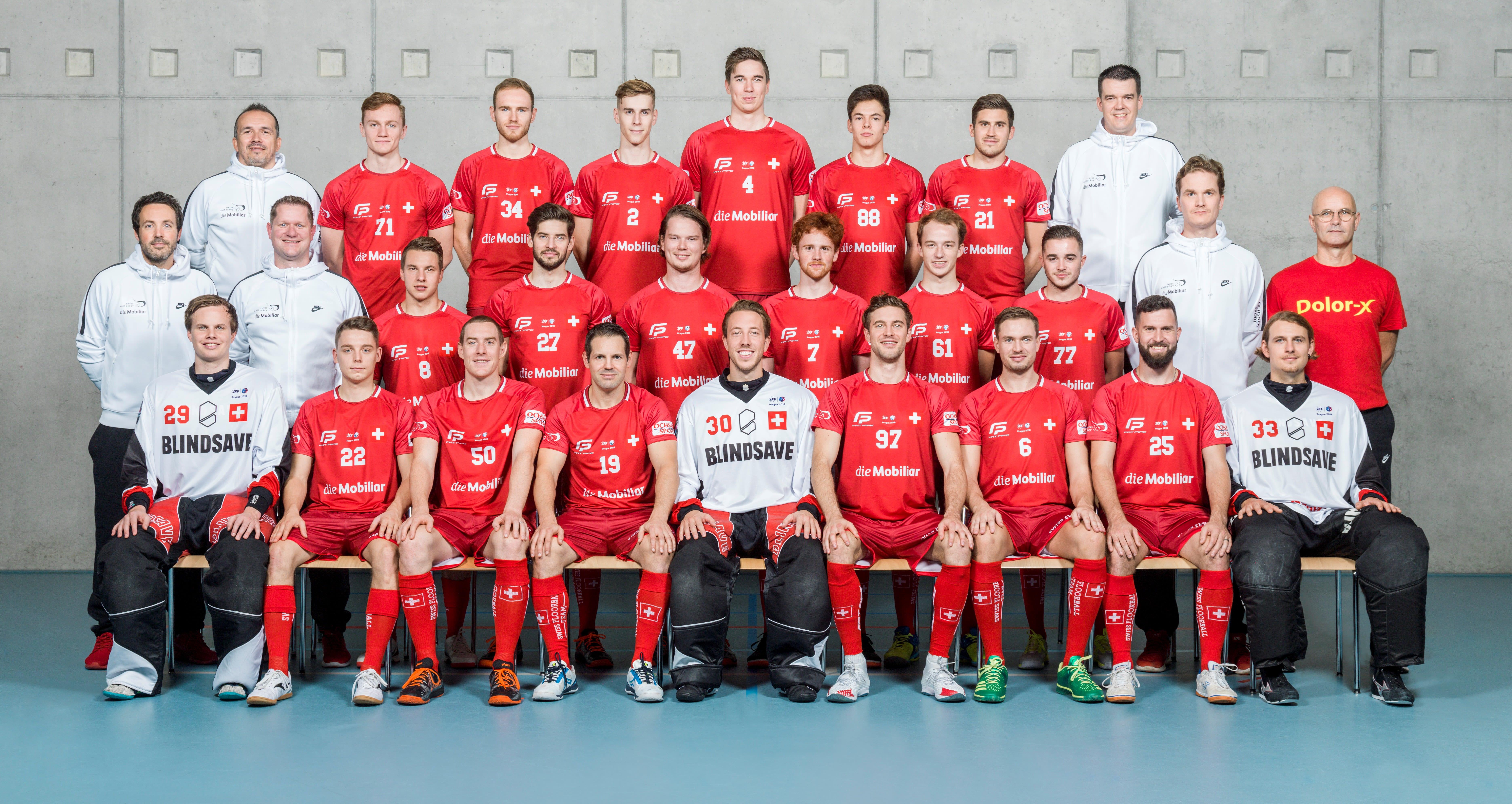 Nationalmannschaft Teamfoto_zugeschnitten.jpg