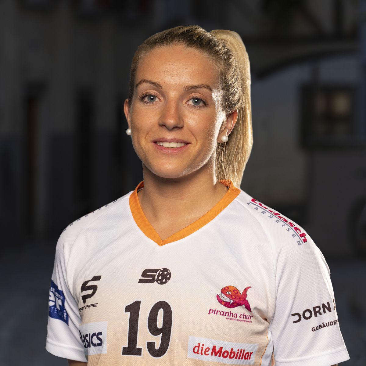 Anja Dellagiovanna #19_NLA_piranha Chur_Saison 2019-2020_1200x1200_01.jpg
