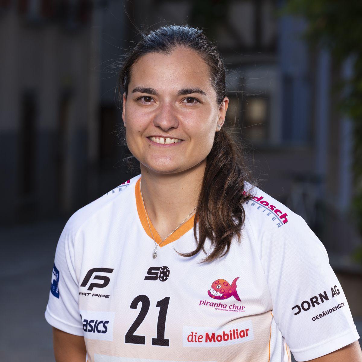 Corin Rüttimann #21_NLA_piranha Chur_Saison 2019-2020_1200x1200_01.jpg
