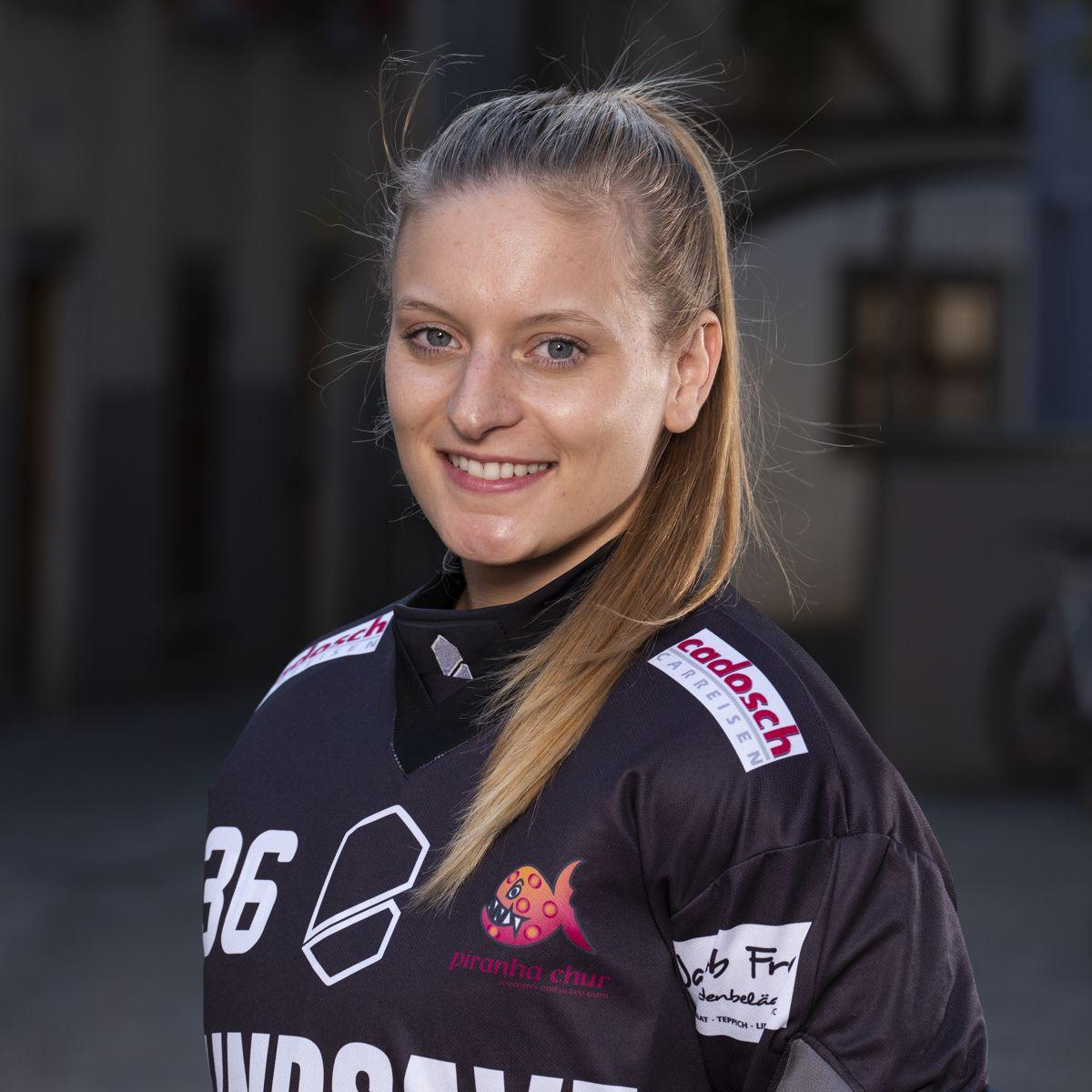 Corinne Waldburger #36_NLA_piranha Chur_Saison 2019-2020_1200x1200_01.jpg