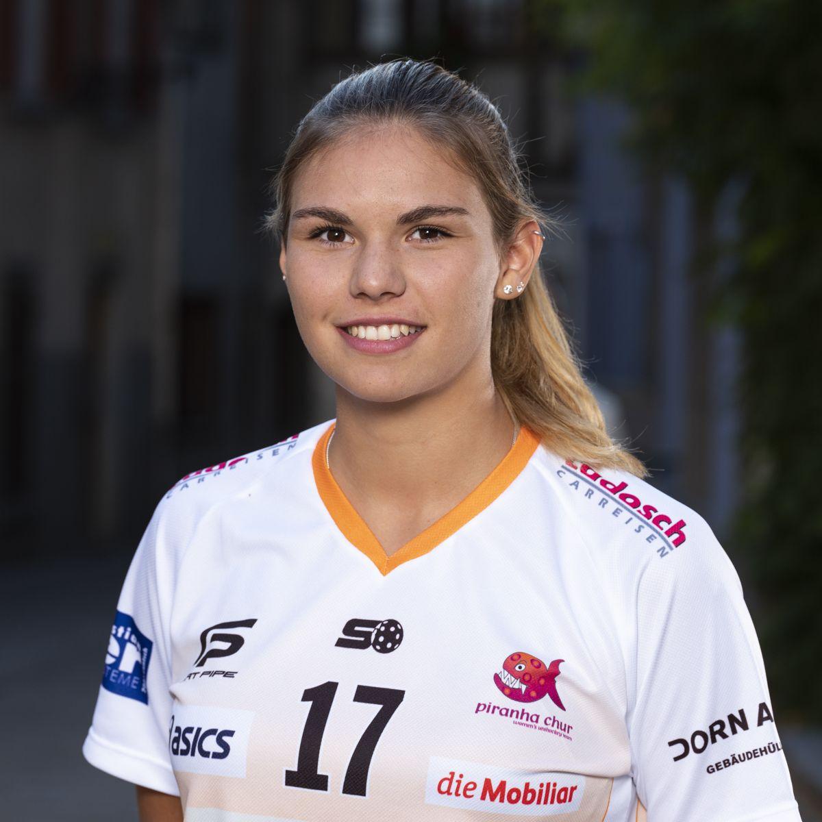 Luana Rensch #17_NLA_piranha Chur_Saison 2019-2020_1200x1200_01.jpg
