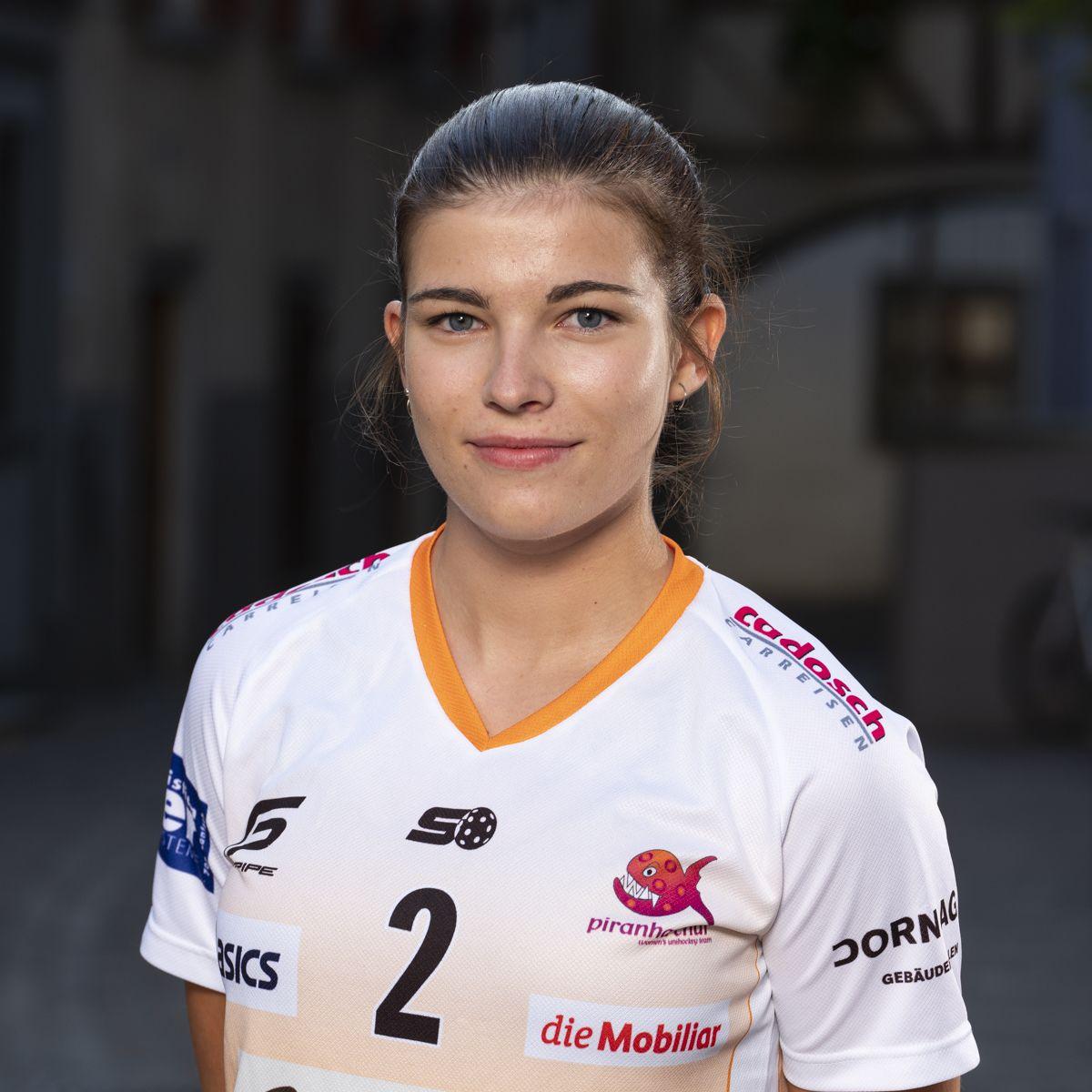 Jana Putzi #2_NLA_piranha Chur_Saison 2019-2020_1200x1200_01.jpg