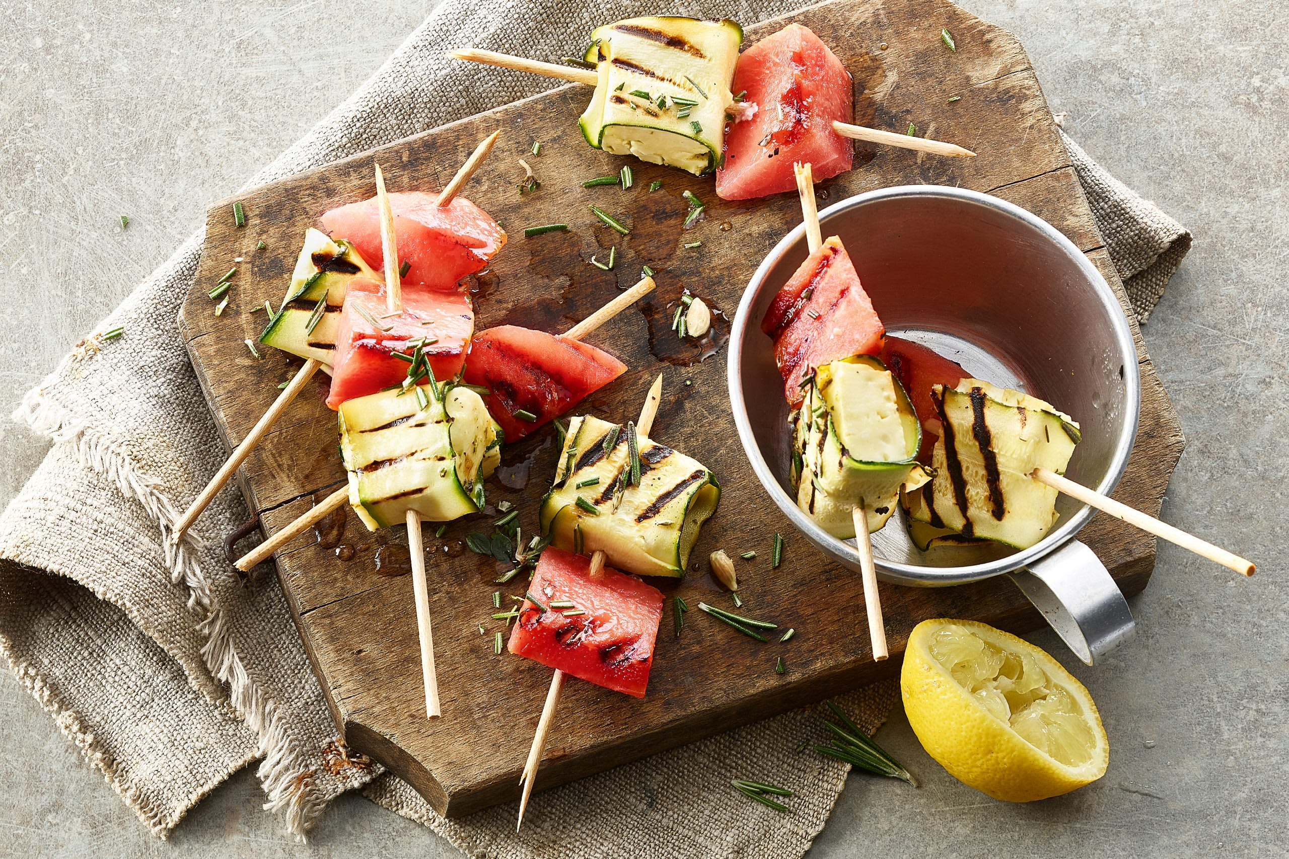 Brochettes fromage-courgette-pastèque au barbecue