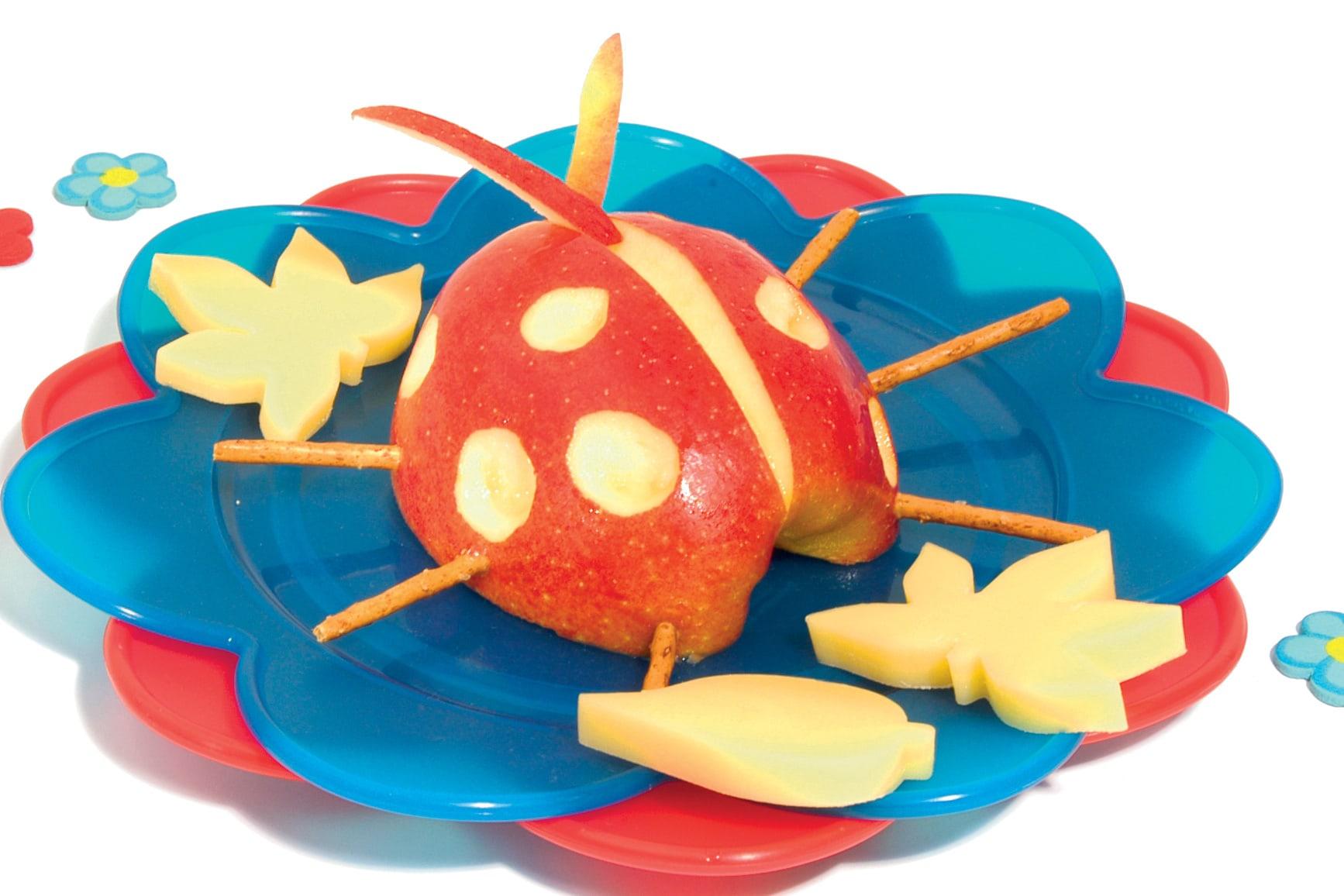 "Apfel-Käse-Snack ""Marienkäfer"""