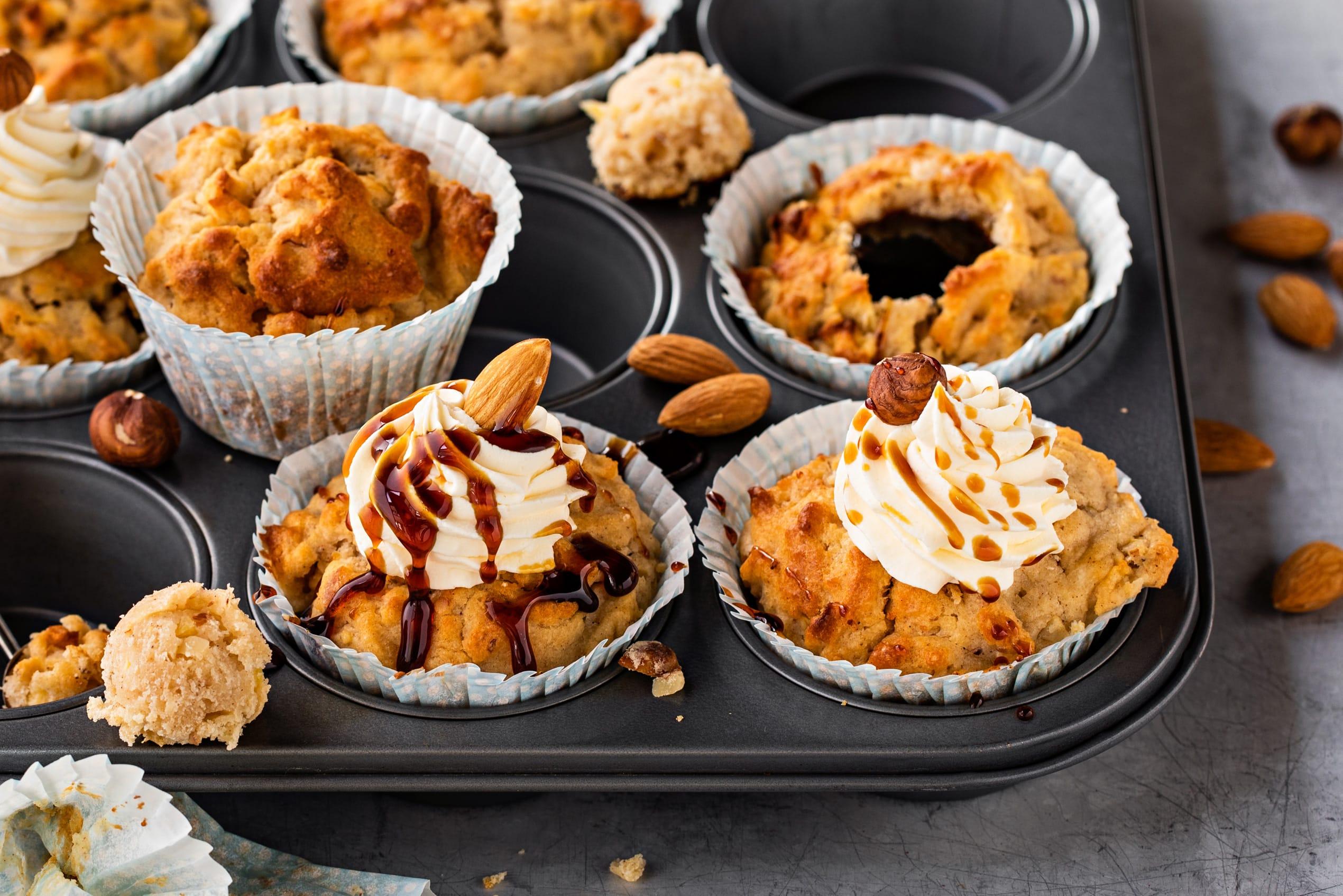 Muffins à la pomme et au séré avec coeur au caramel