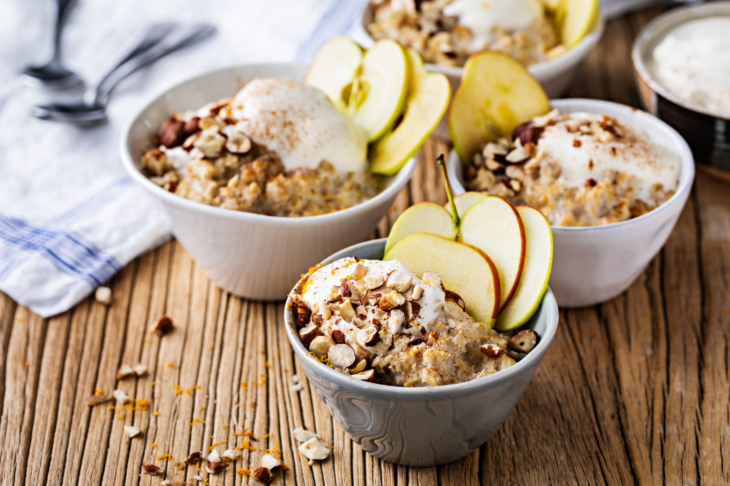 Porridge à la pomme et à la cannelle