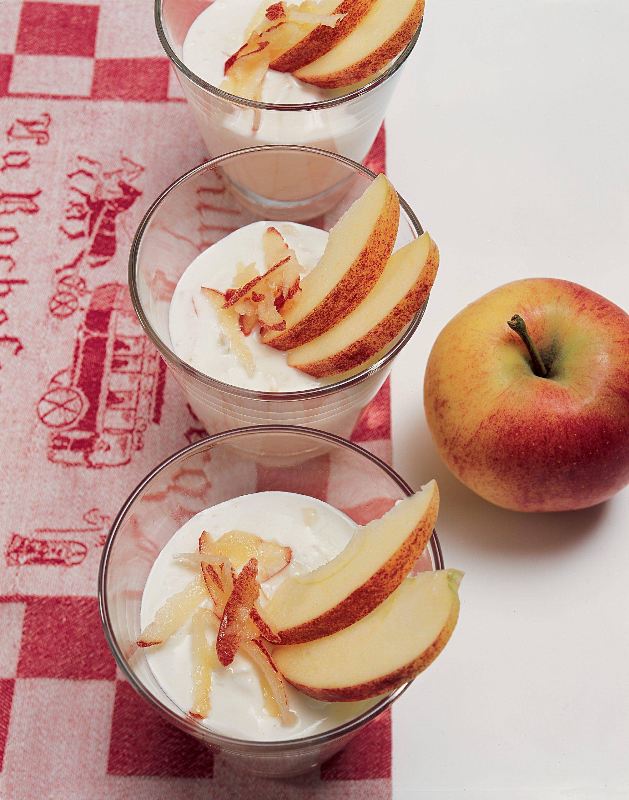 Crème aux pommes et son sirop de fleurs de sureau