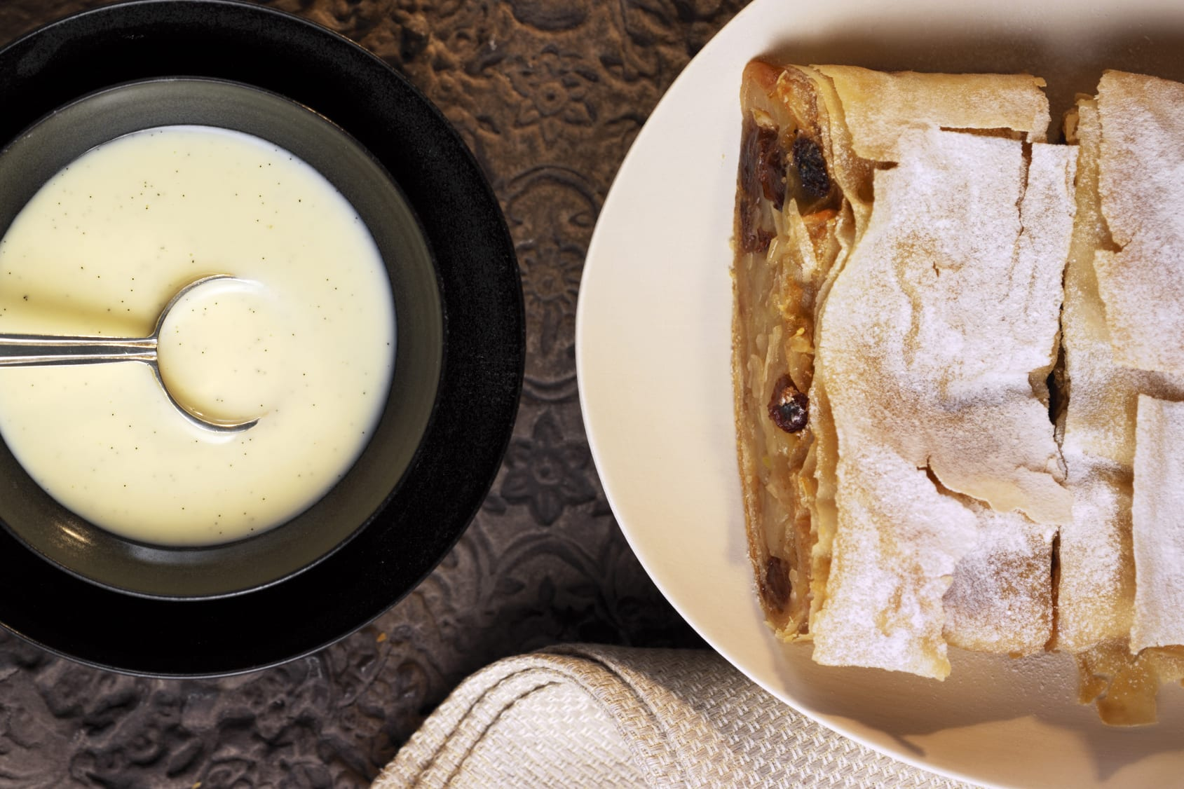 Strudel aux pommes et sauce vanille