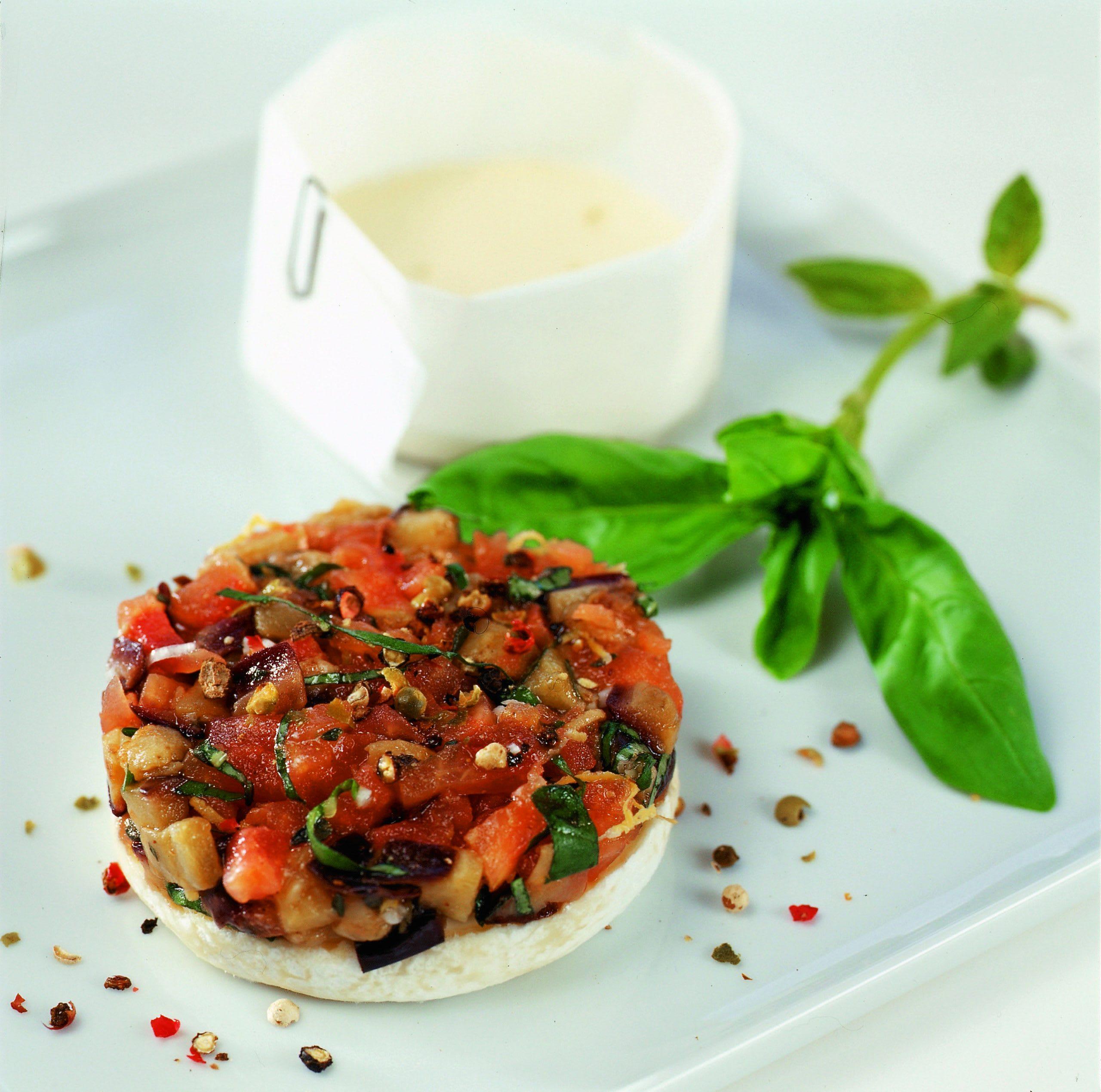 Tommes aux aubergines et aux tomates