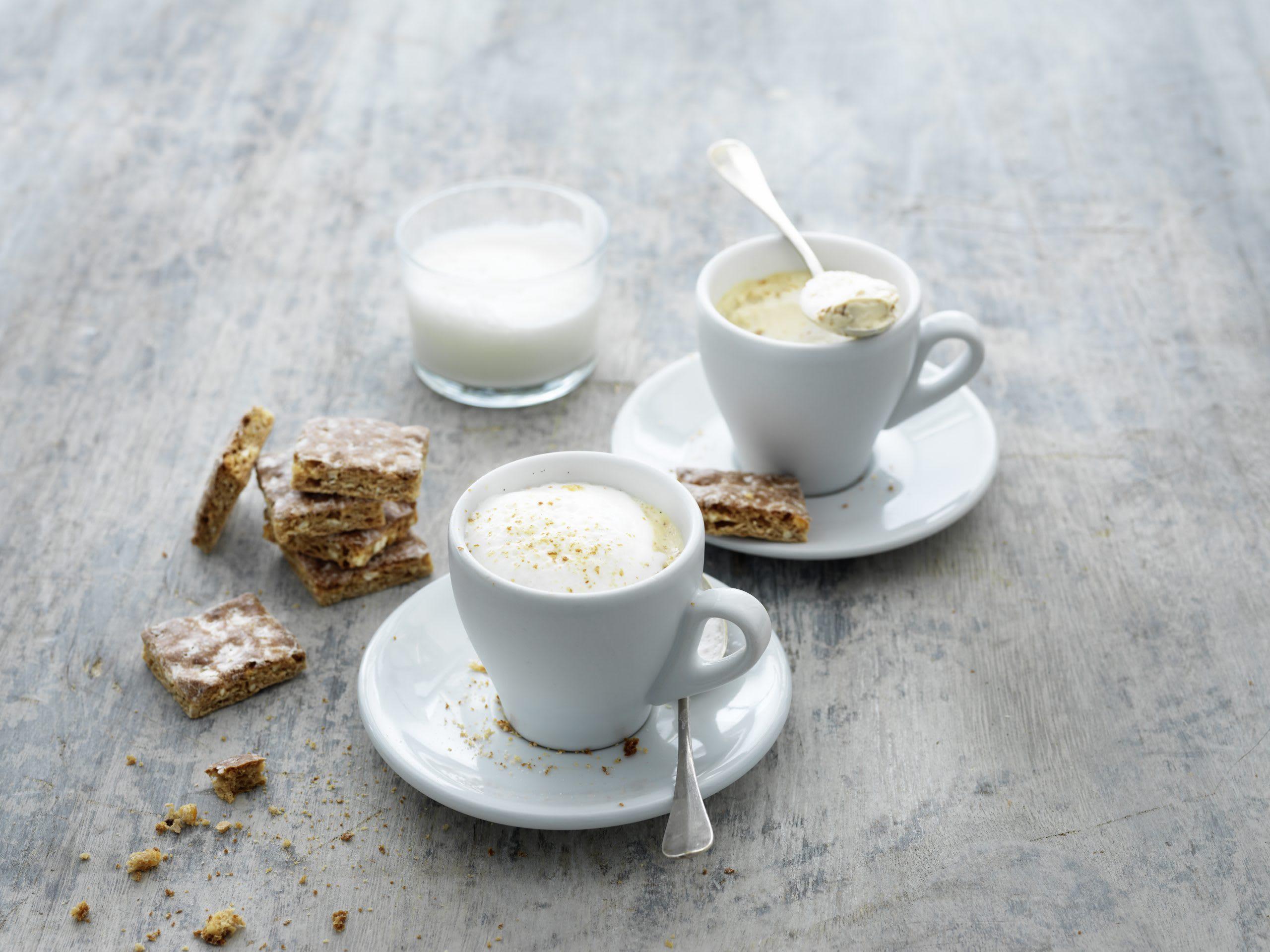Basler Läckerli-Panna-cotta