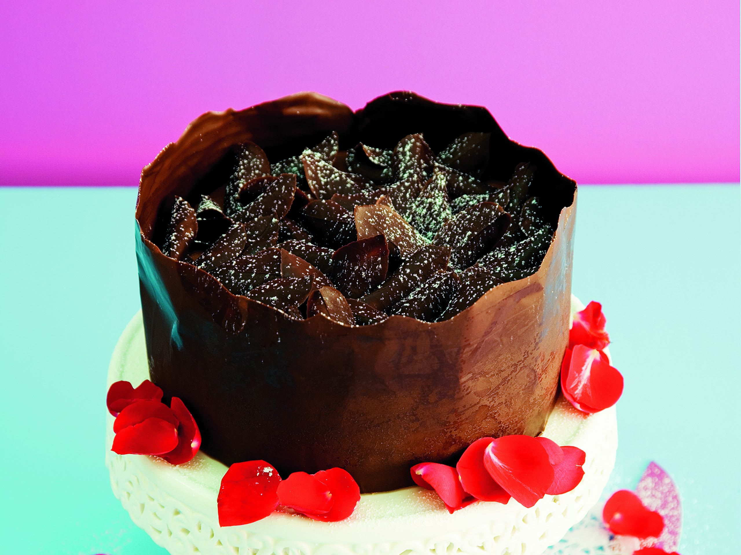 Biskuittorte mit Schokoladen-Rahm-Füllung