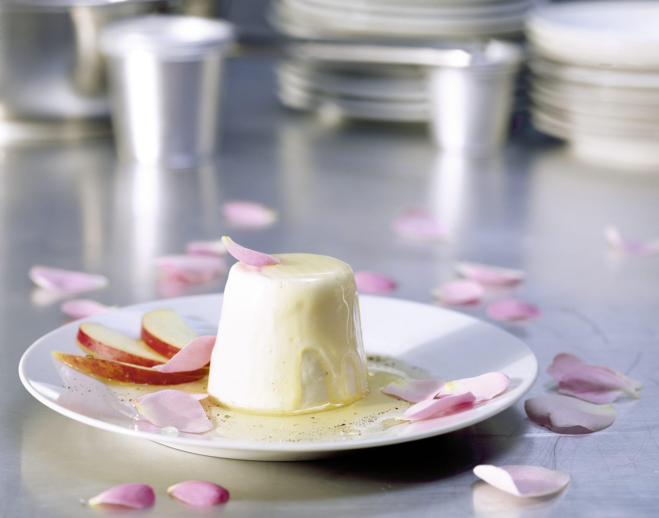 Blanc-manger au sirop de pomme et de rose