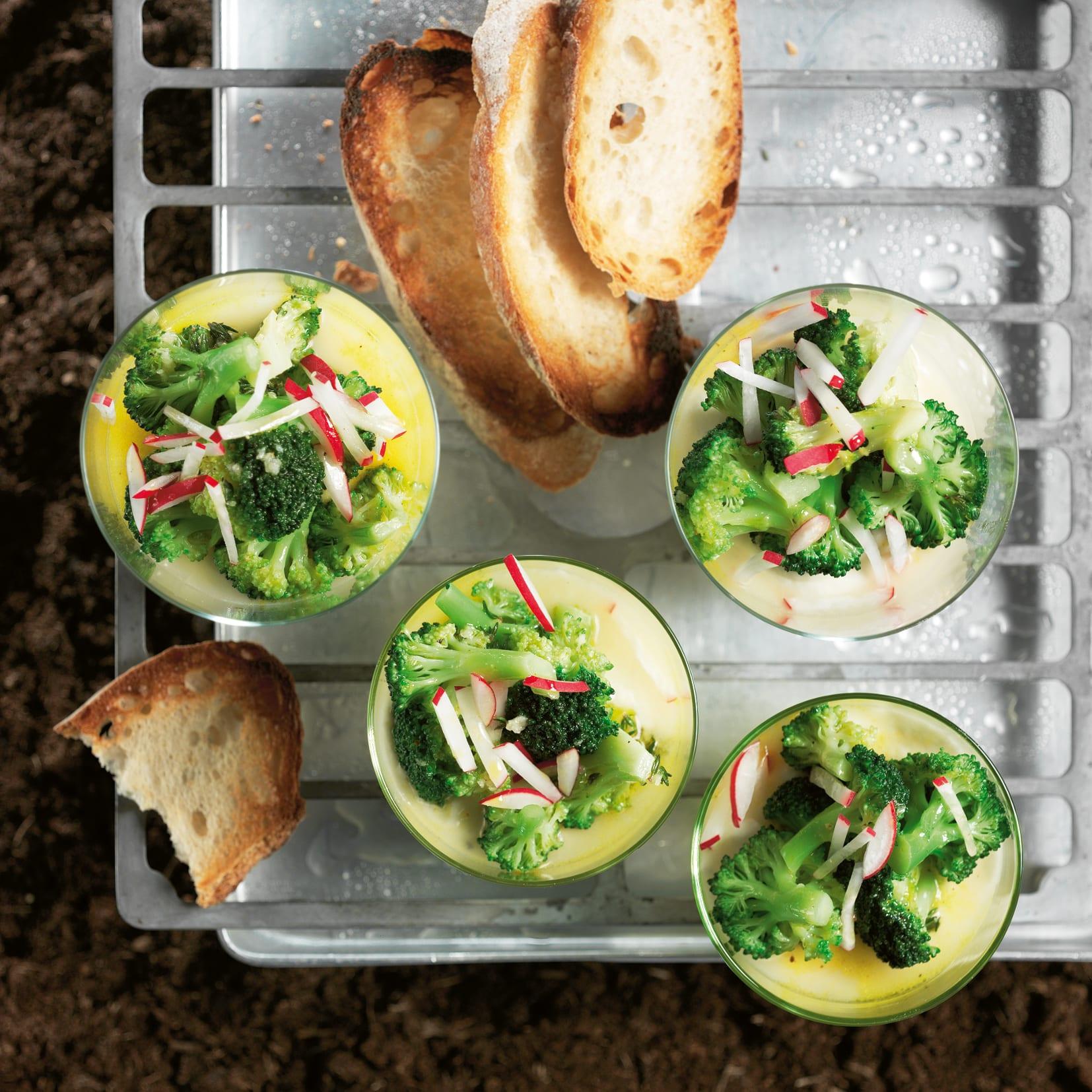 Blumenkohl-Mousse mit Broccolisalat