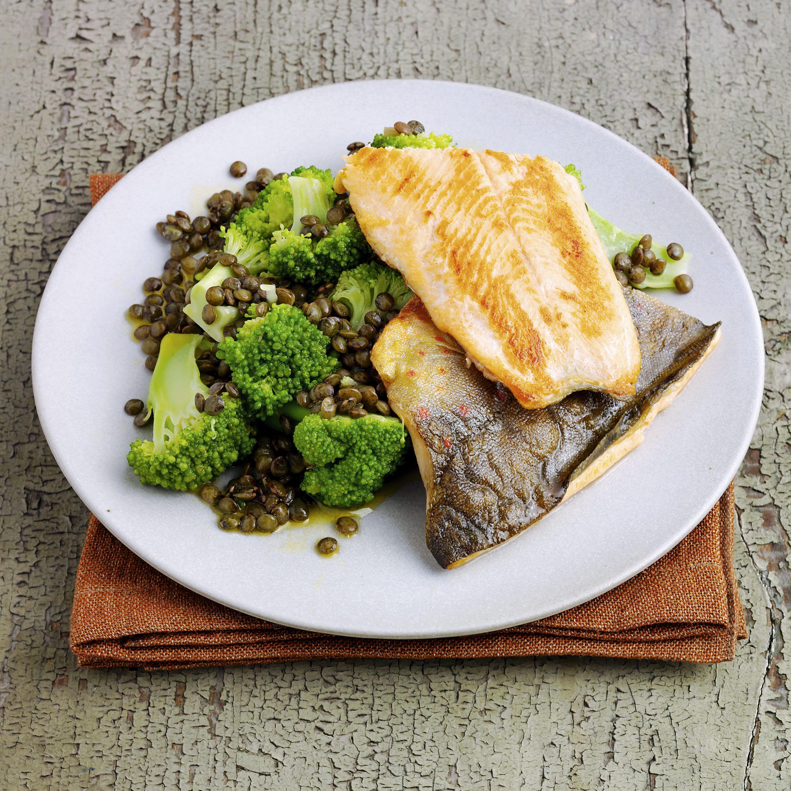 Poisson grillé et salade de lentilles