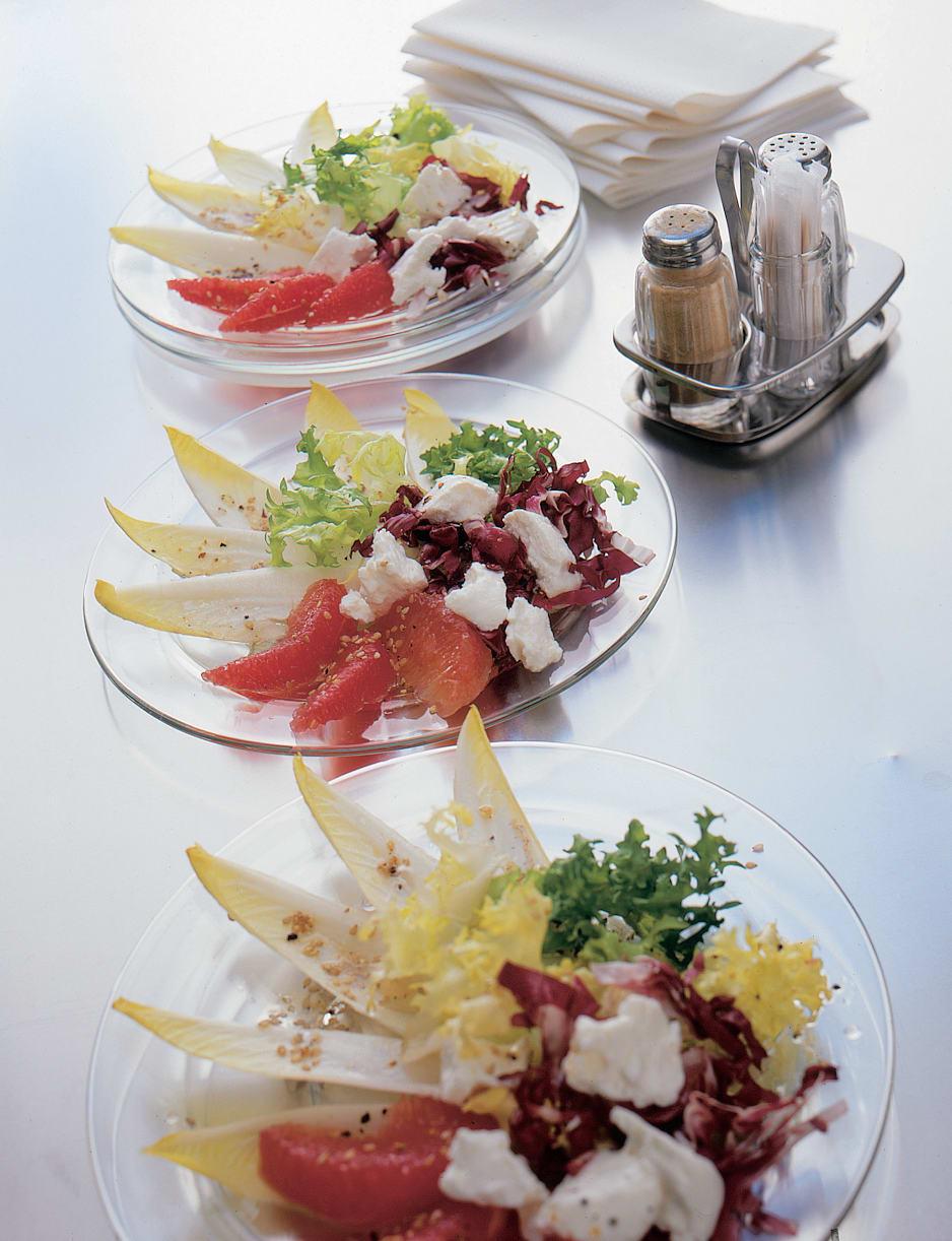 Salade endive-pamplemousse au fromage frais (type féta)