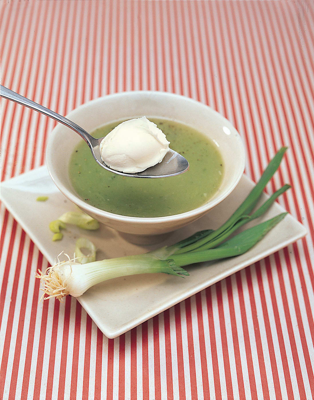 Bundzwiebel-Kartoffel-Suppe