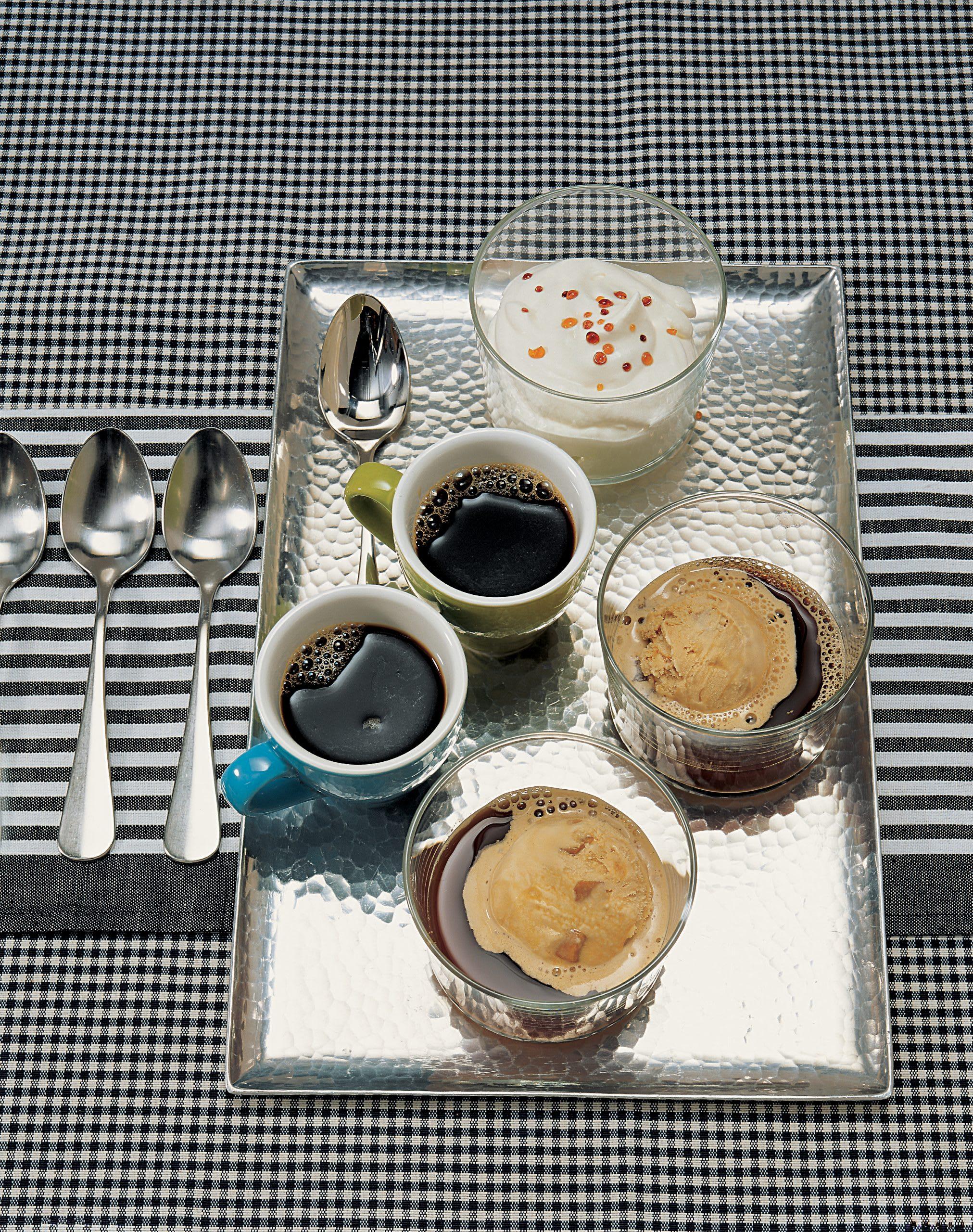 Café glacé et perles de caramel