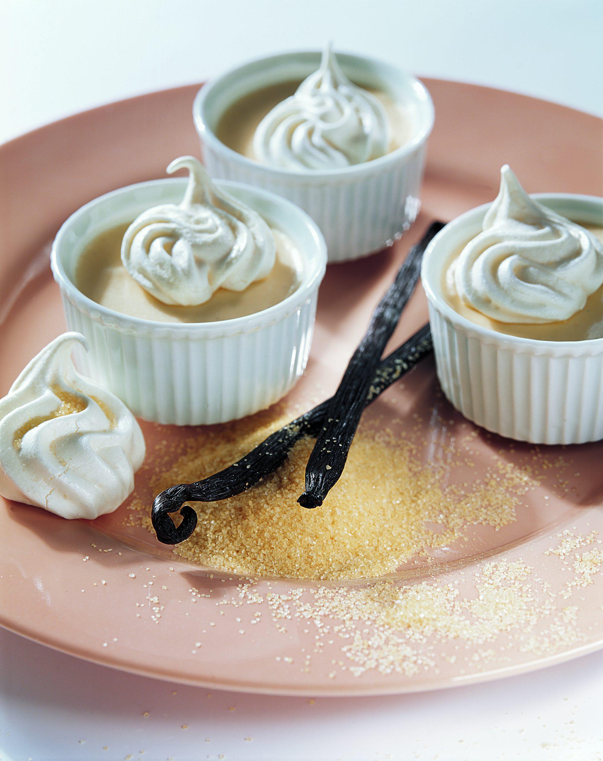 Caramel-Mousse mit Zuckerwölkchen