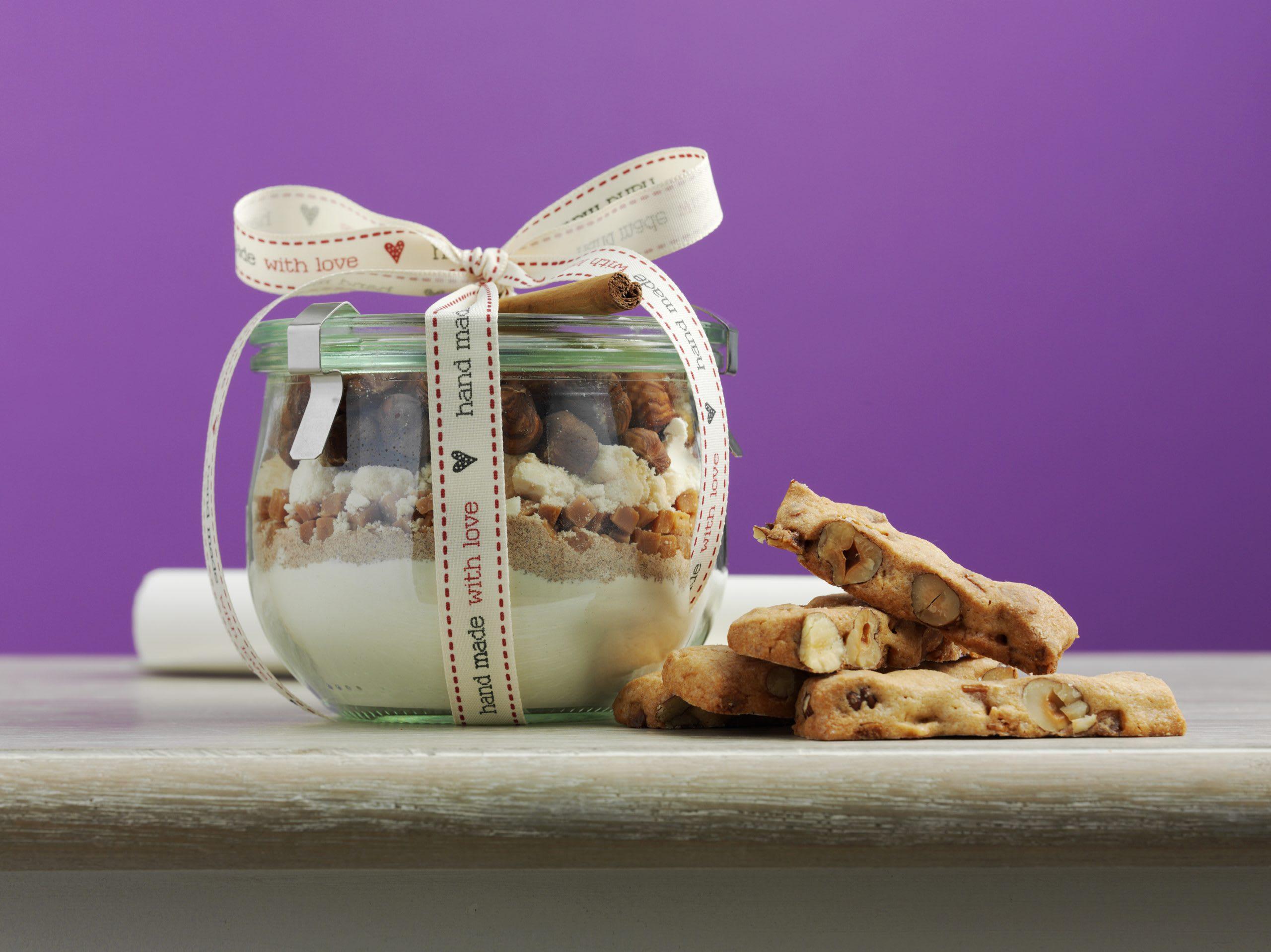 Caramel-Nussstängeli (Backmischung im Glas)