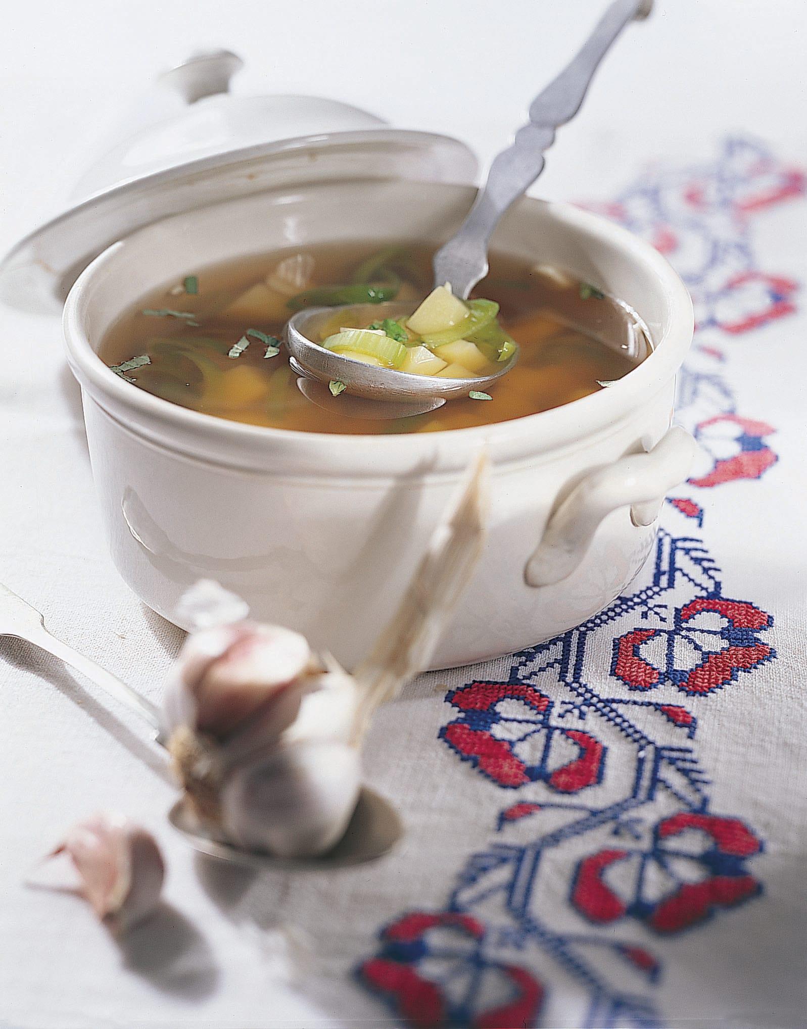 Cesnecka (potage à l'ail)