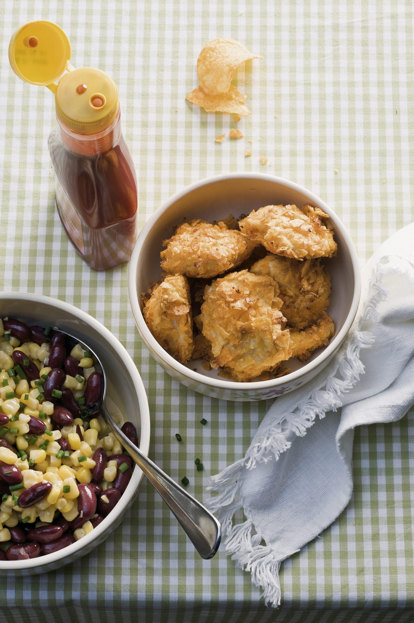 Chicken-Nuggets mit Mais-Bohnen-Salat