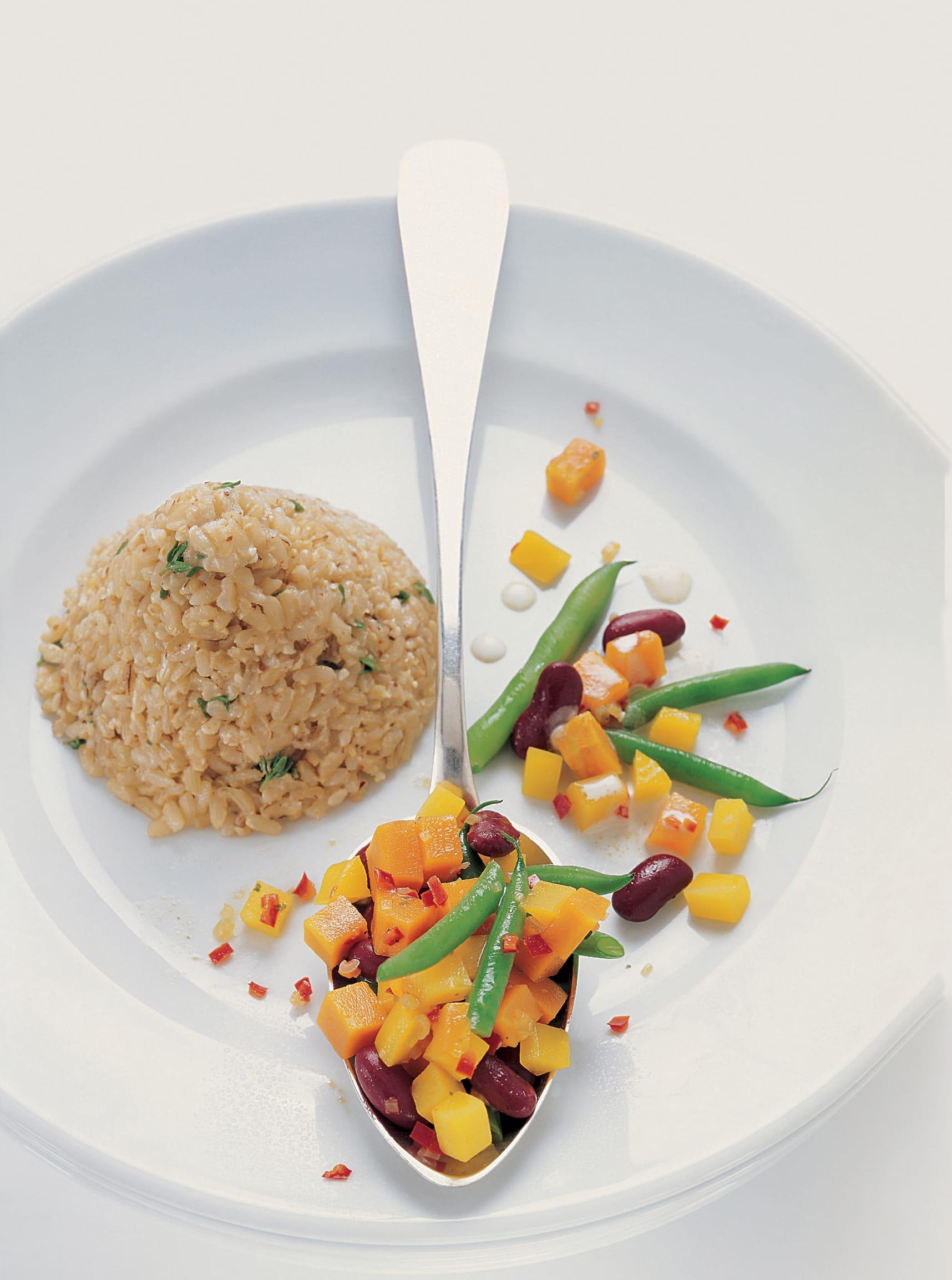 Haricots pimentés et riz aux herbes