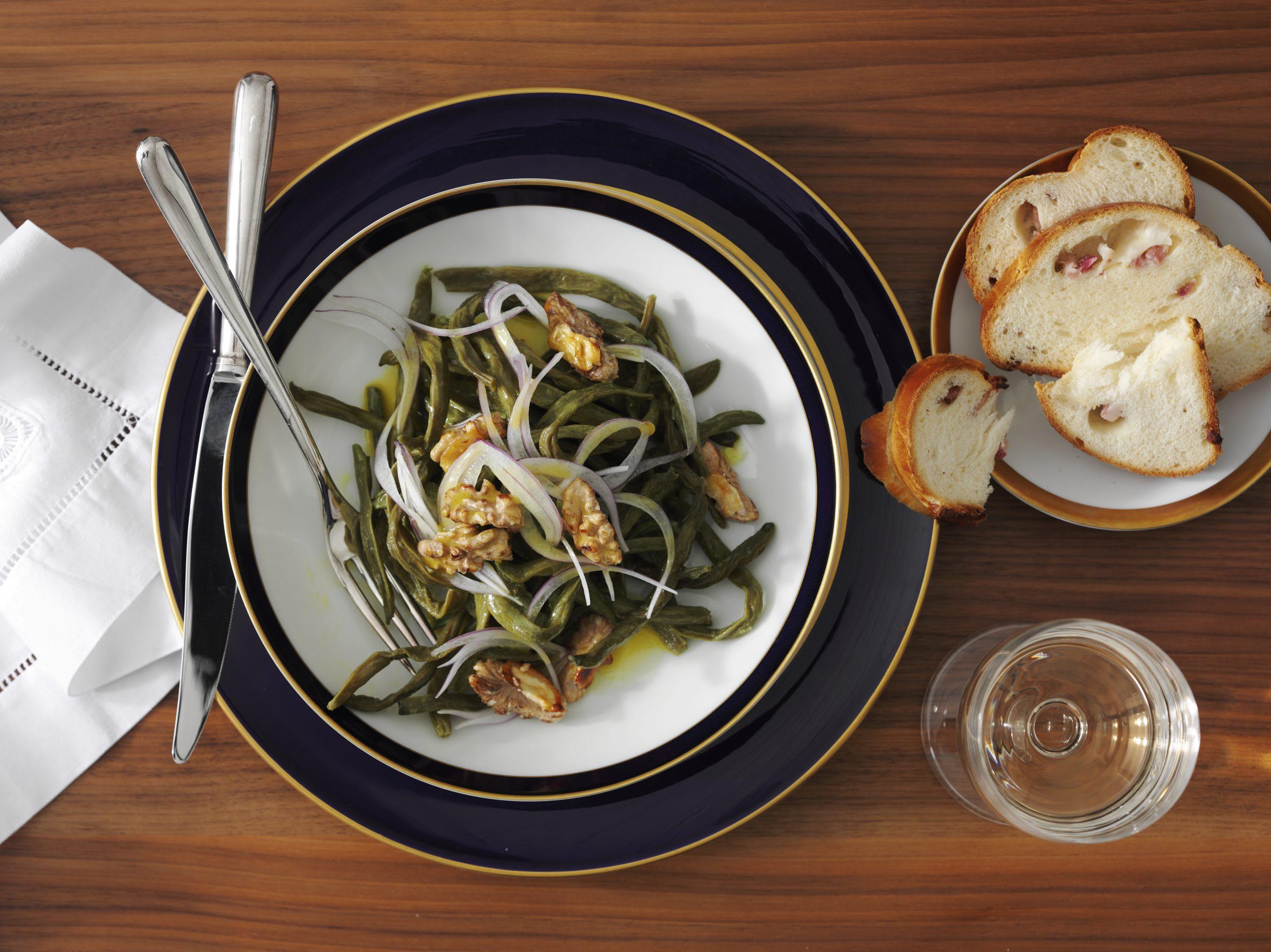 Dörrbohnen-Salat mit Speckzopf