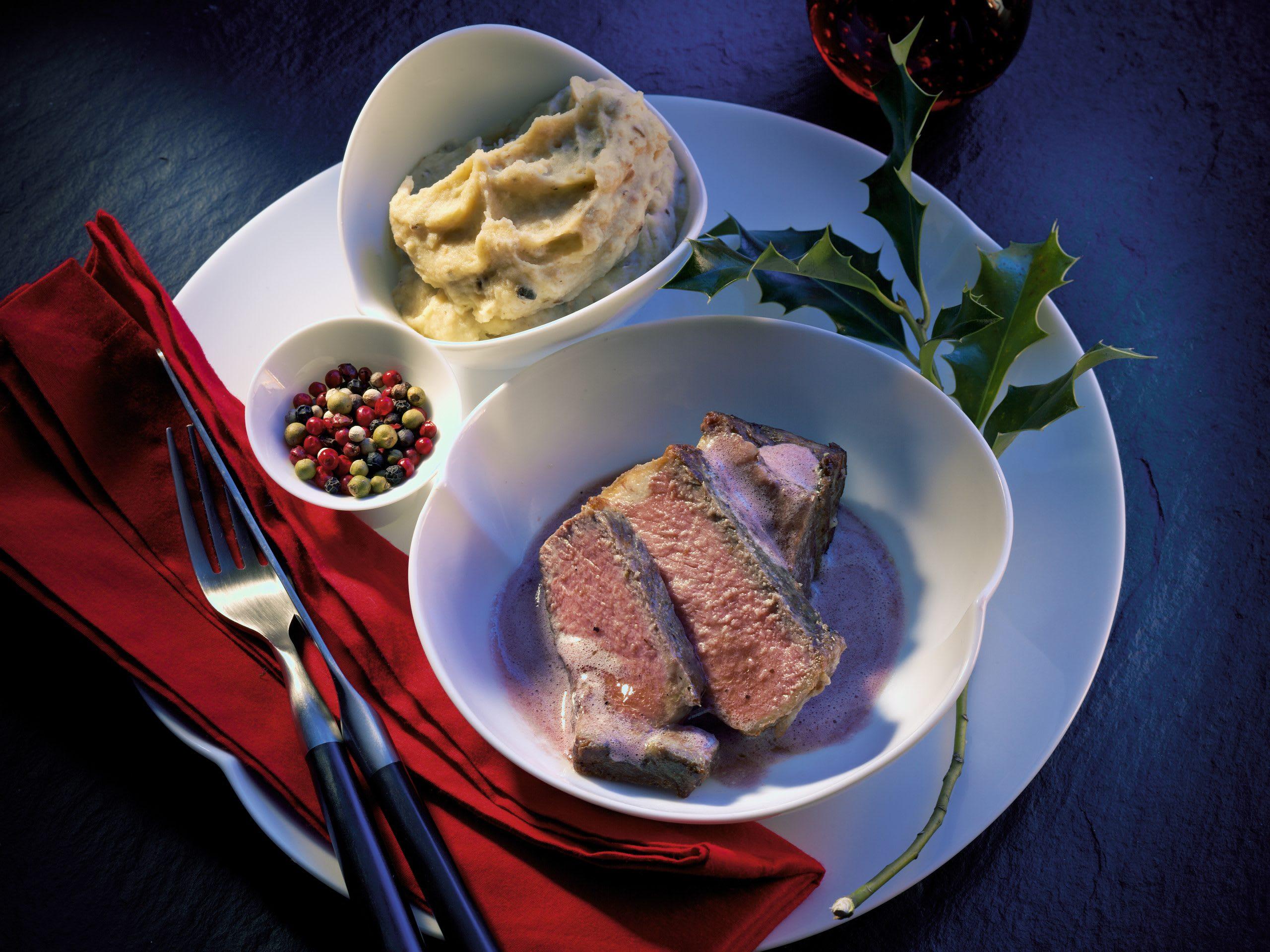 Entrecôte double mit Rotwein-Pfeffer-Butter