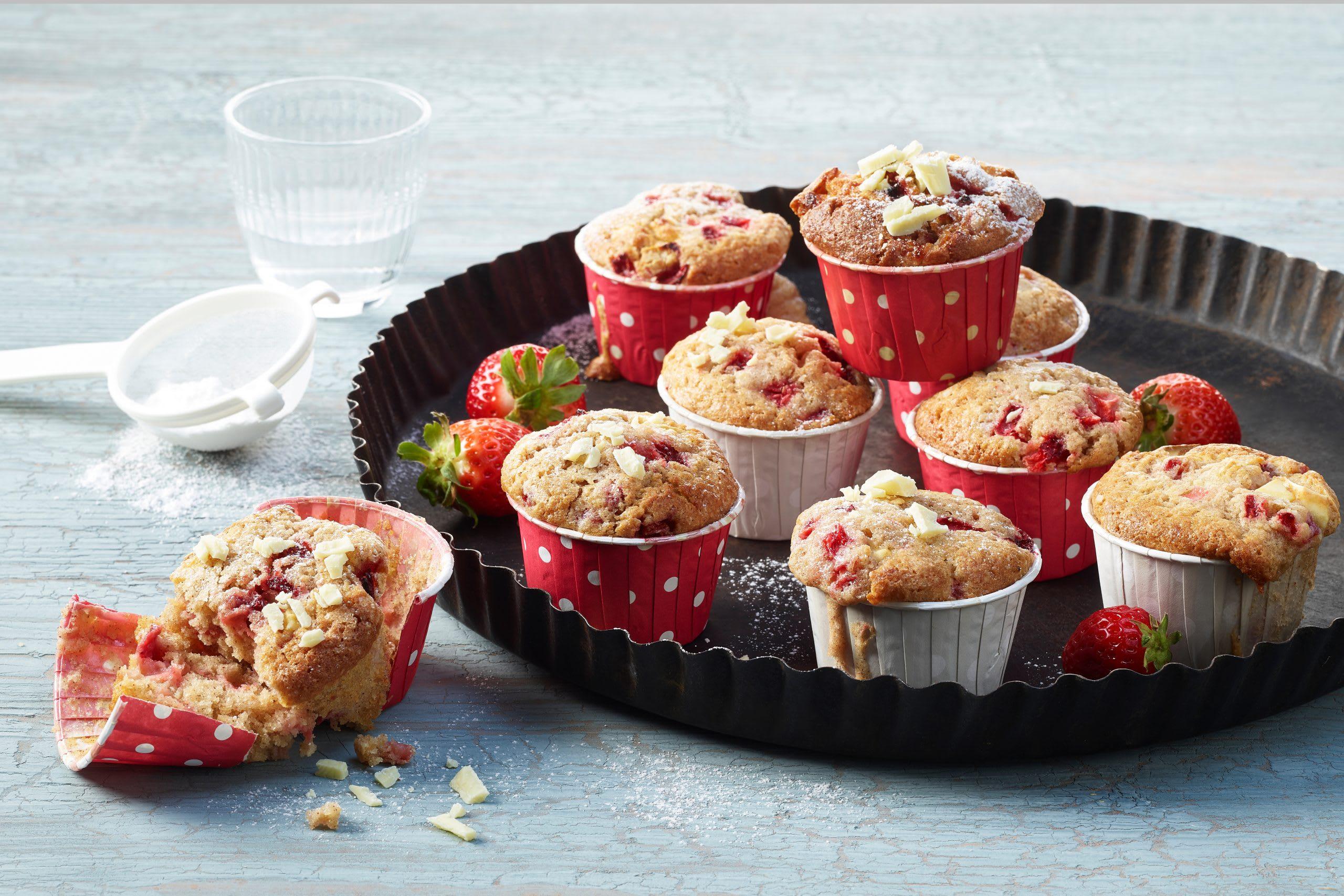 Erdbeer-Muffins mit weisser Schokolade