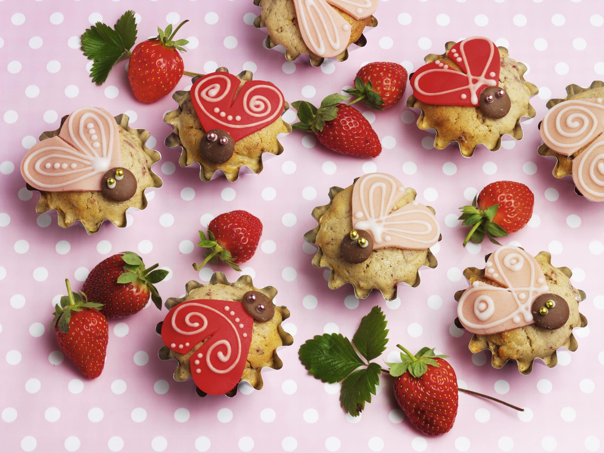 Muffins aux fraises et à la crème acidulée