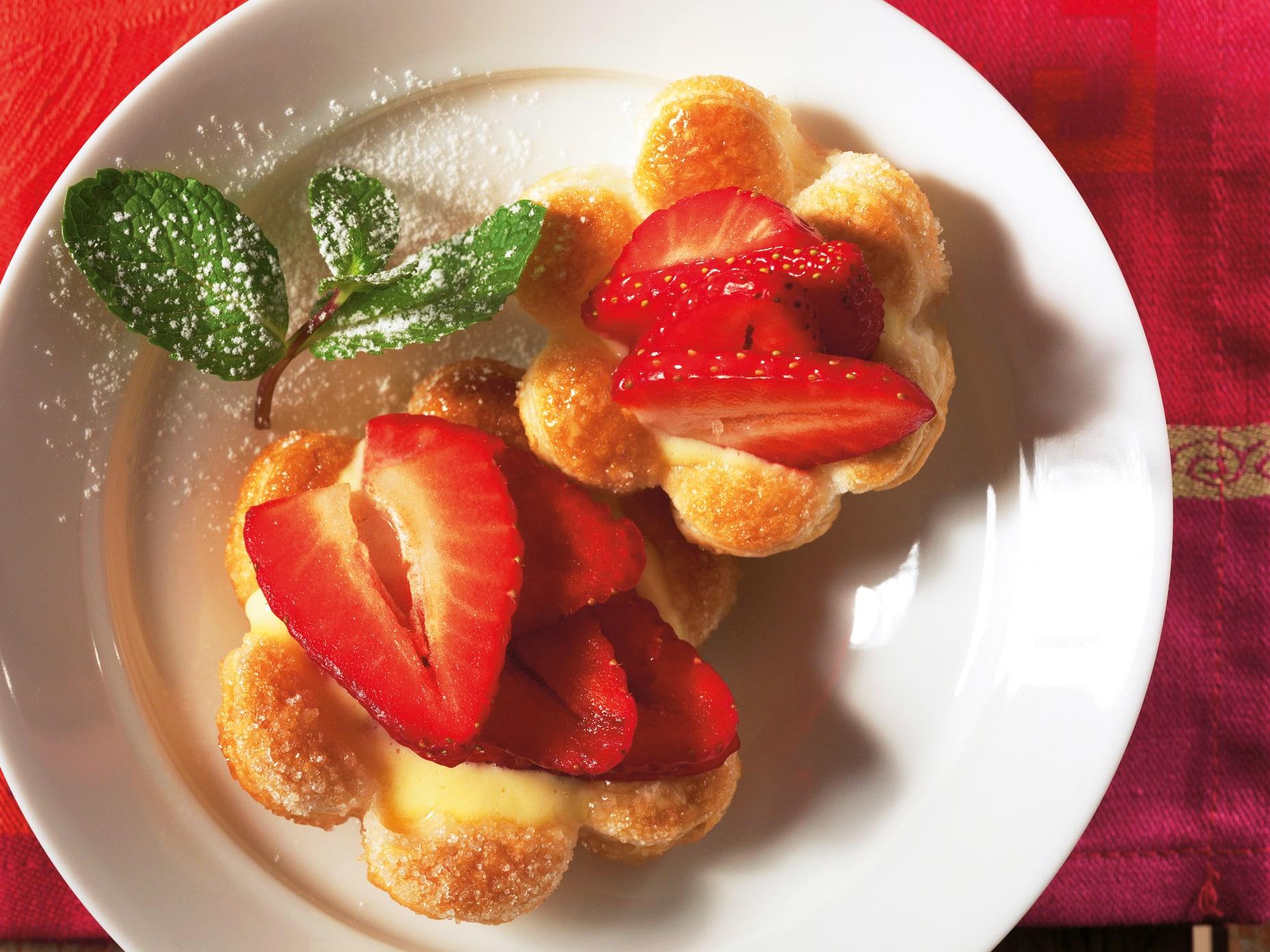 Tartelettes aux fraises à la crème de rose