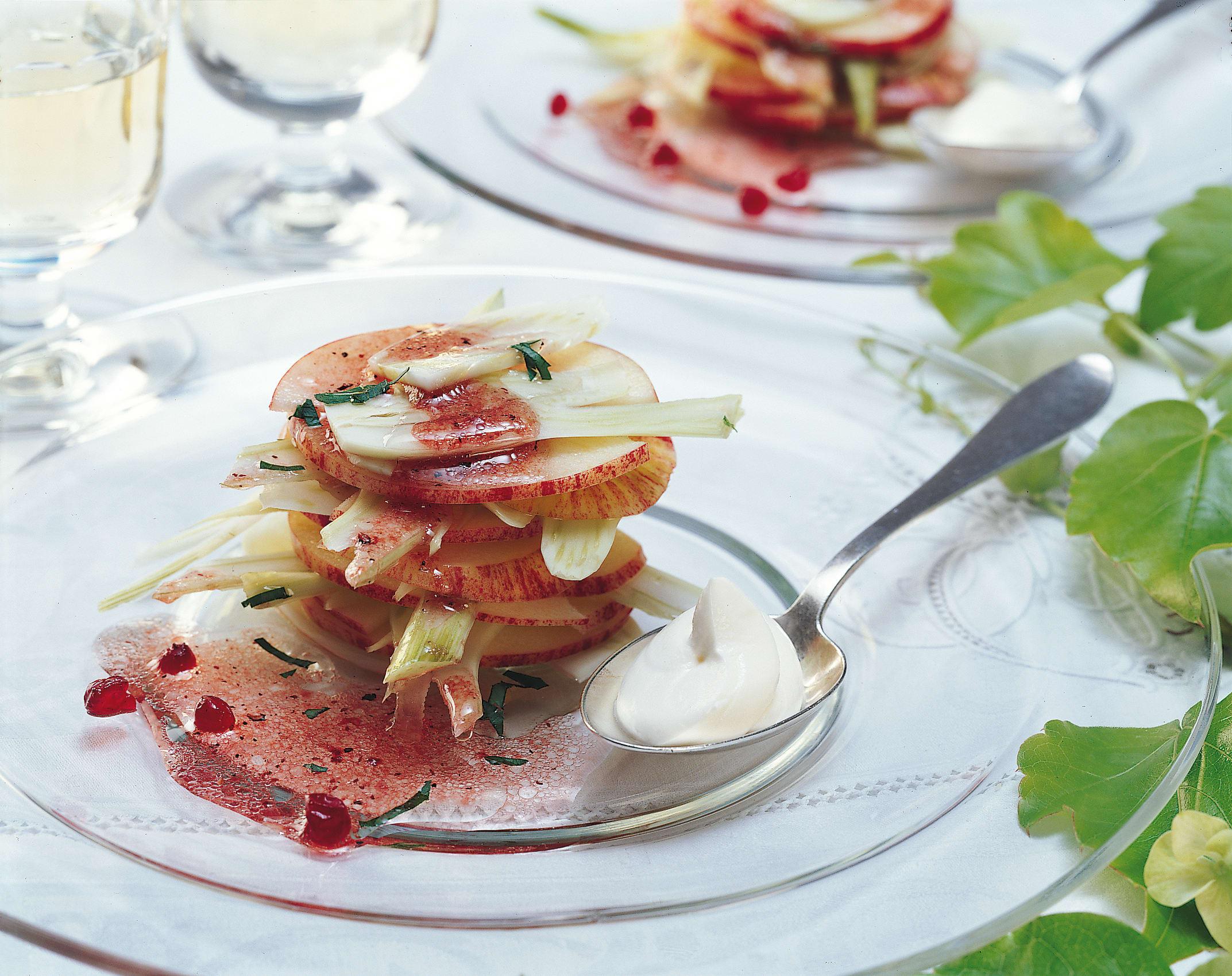 Fenchel-Apfel-Salat mit Preiselbeersauce