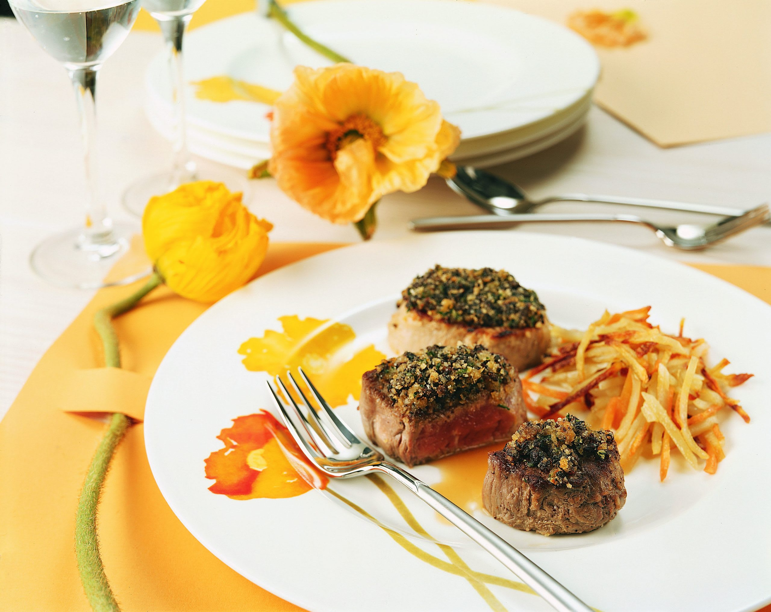 Filet-Duett mit Morchelkruste und Ofenrösti
