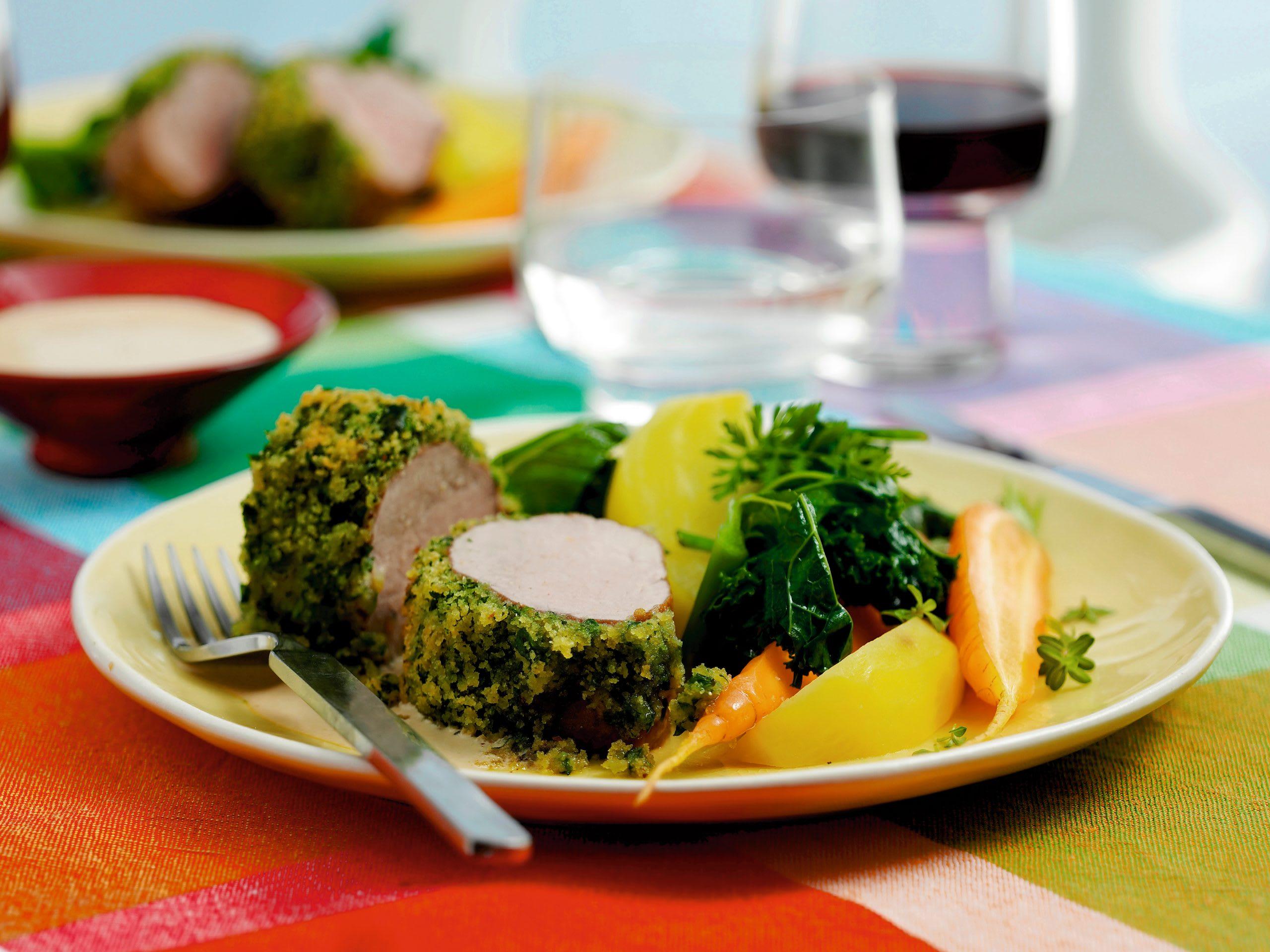 Filet mit Bärlauchkruste und Frühlingsgemüse
