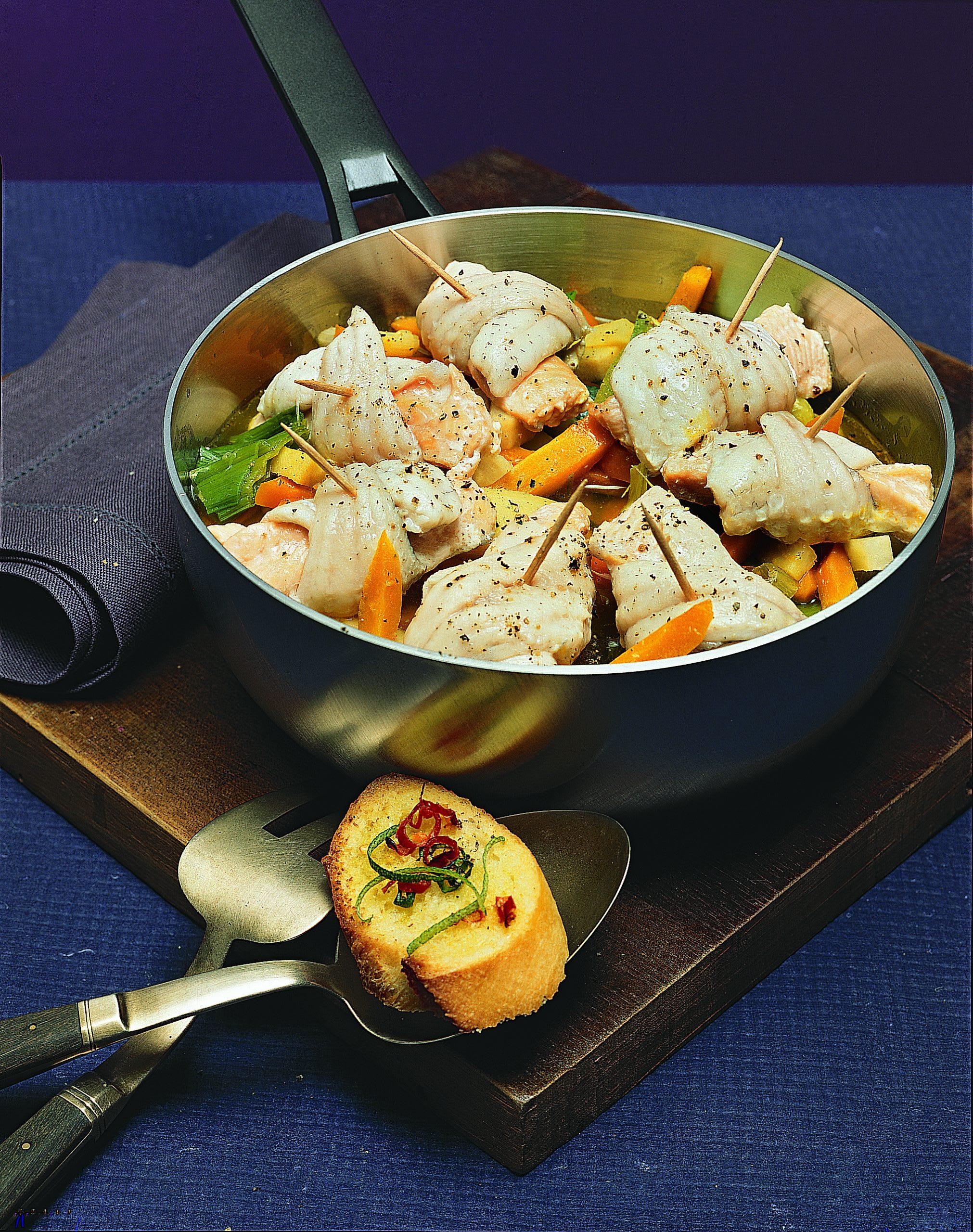 Fisch-Gemüse-Topf mit Limetten-Chili-Toasts