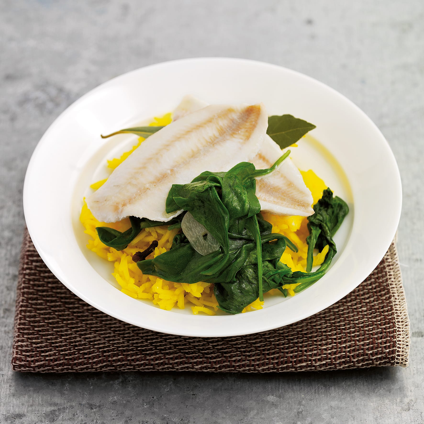 Fisch mit Zitronenreis und Spinat