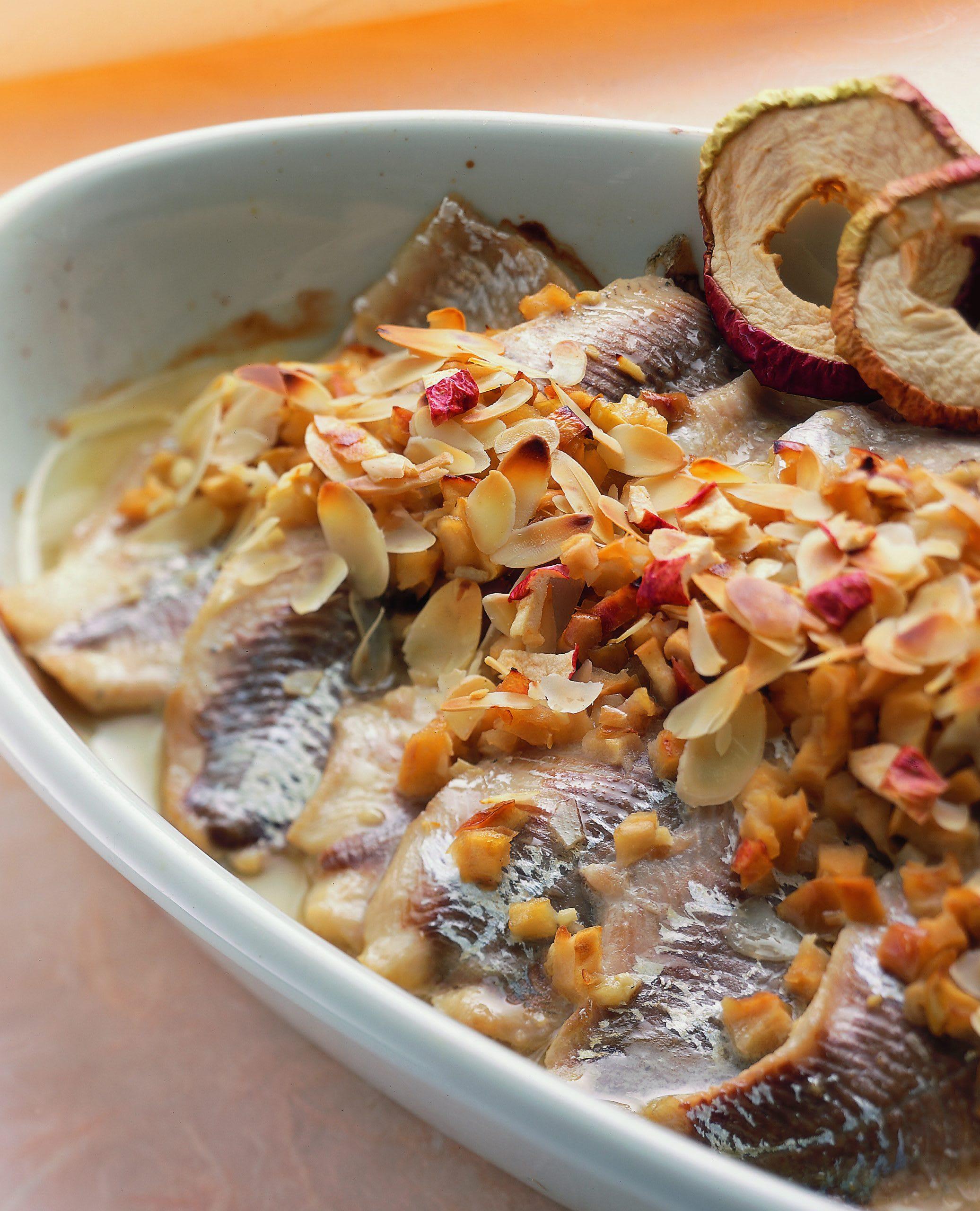 Fischfilets mit Dörrapfel-Nussrücken
