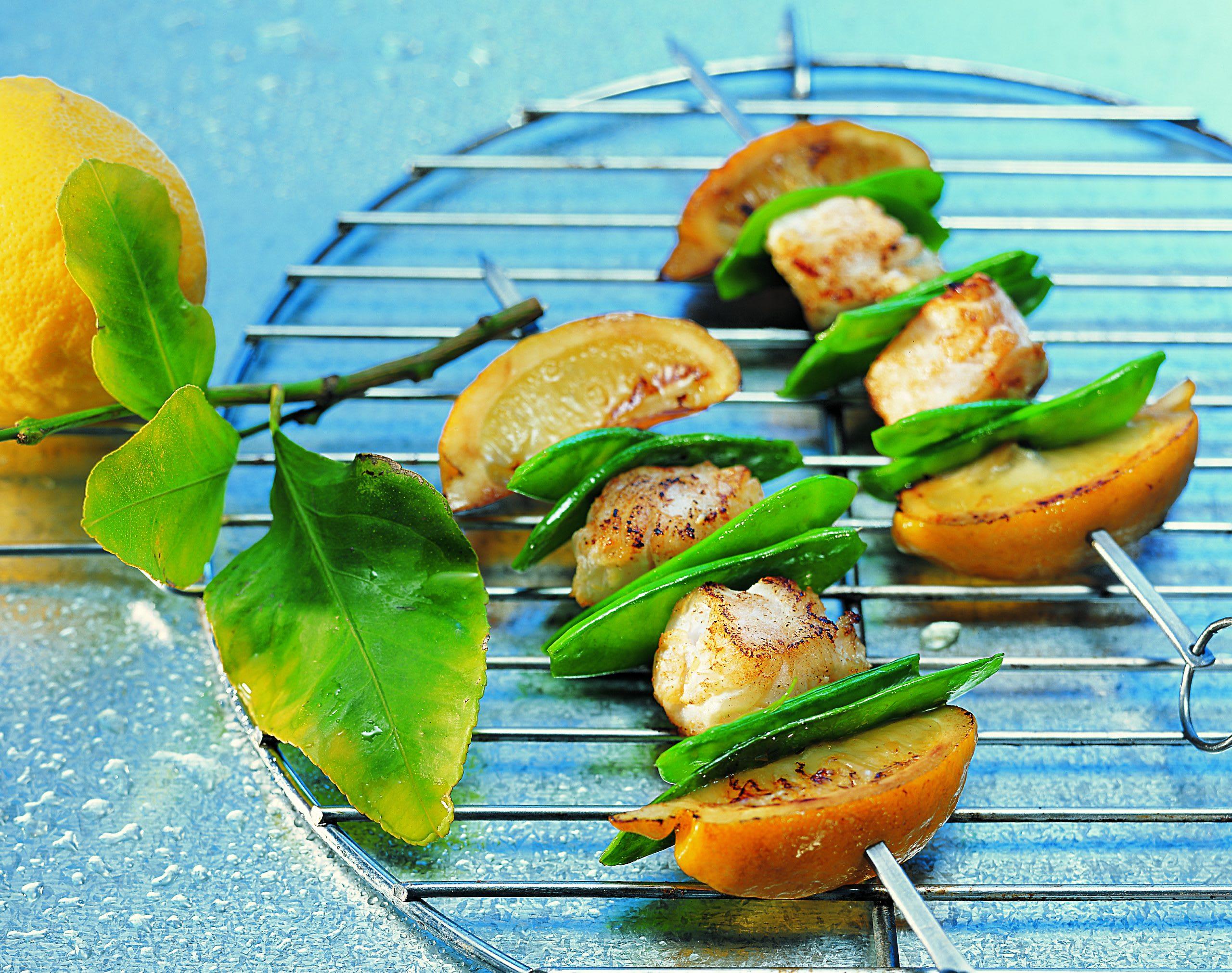Fischspiesse vom Grill mit Zitronen-Pfeffer-Marinade